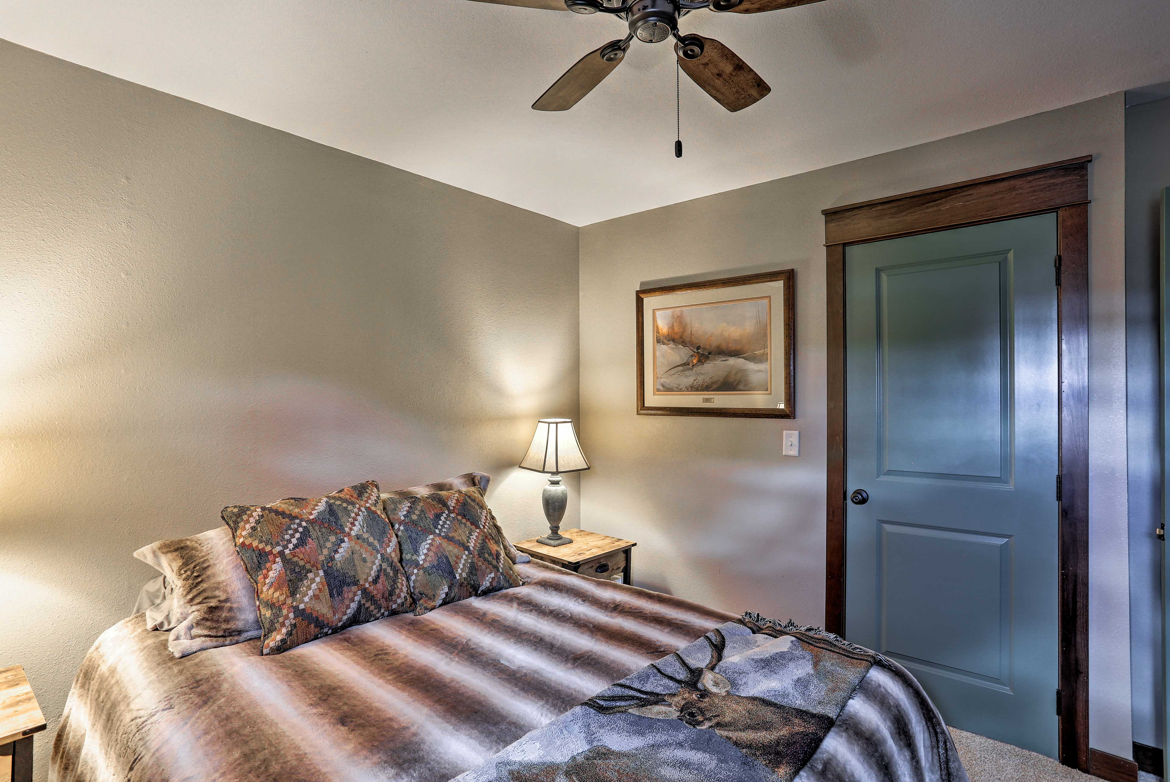 Two more travelers can cozy up in the third bedroom.