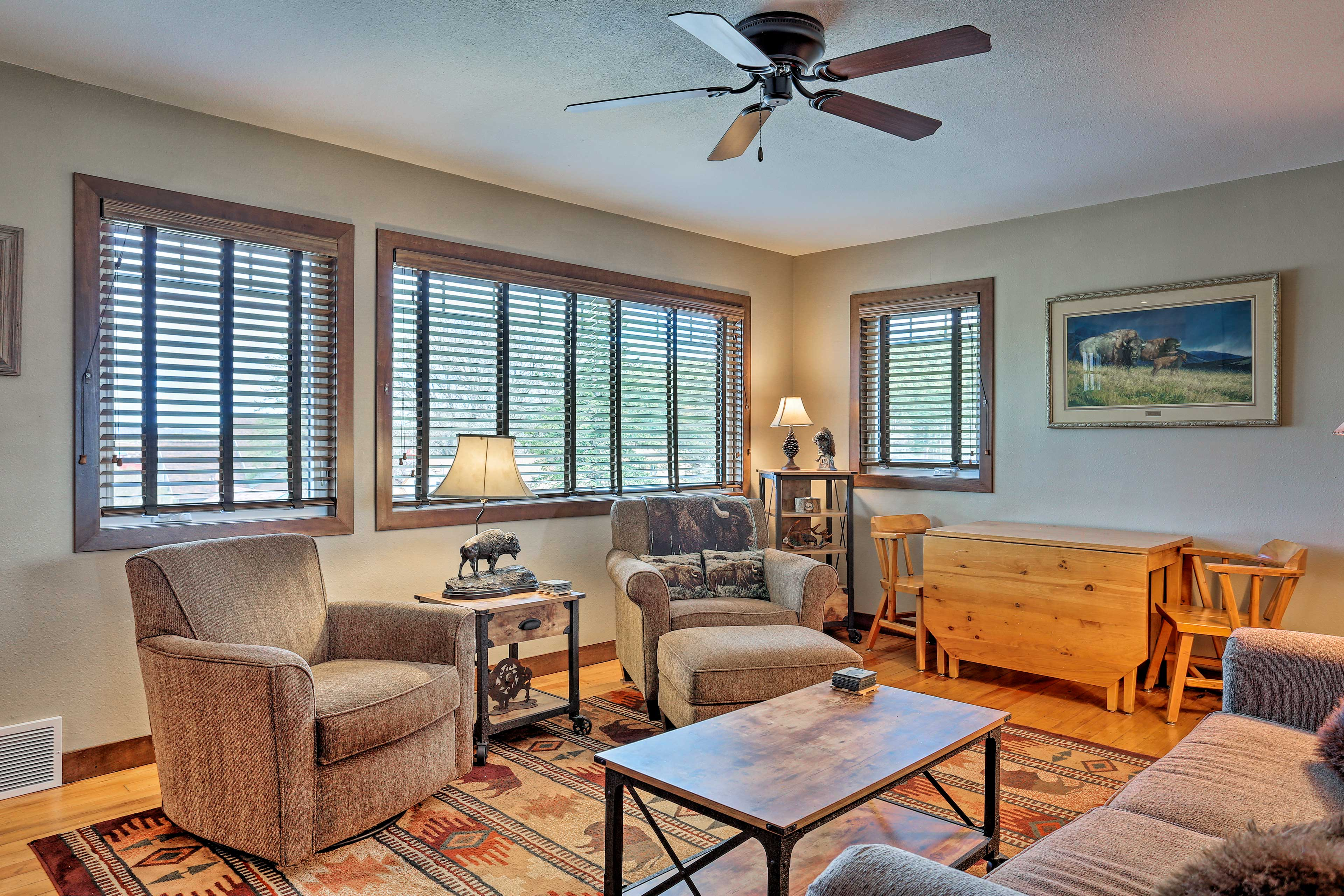 You'll be elated to relax in this cozy interior after hiking adventures.