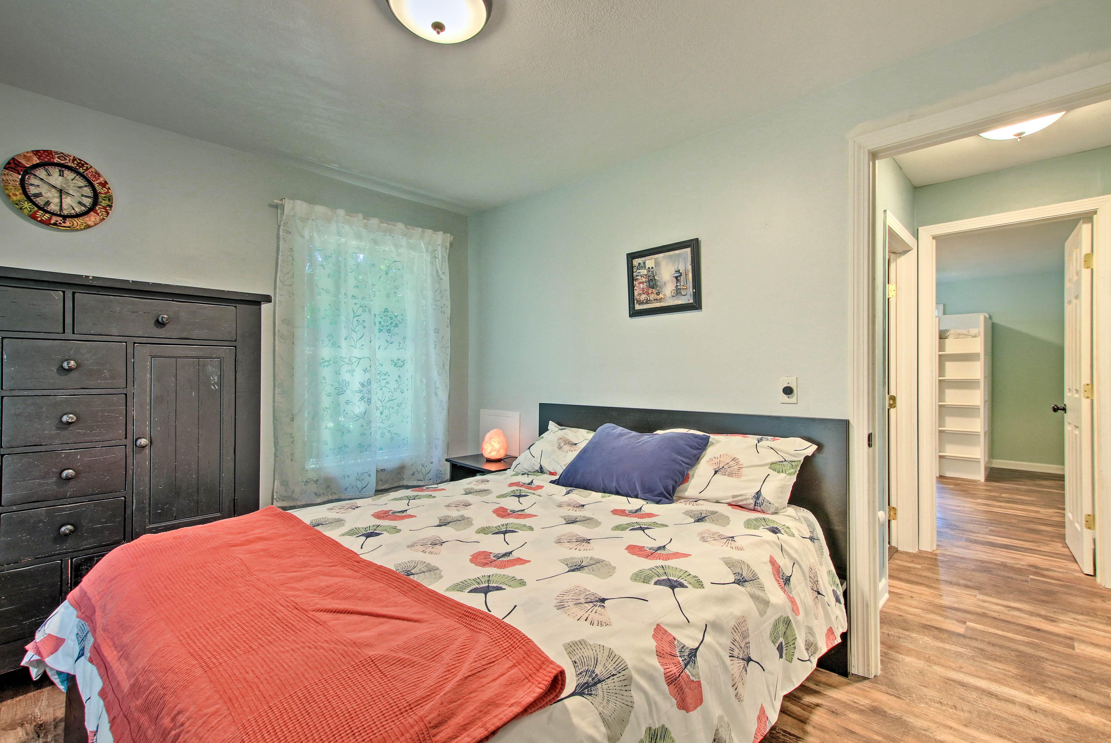 Make yourself at home in the second bedroom with another queen-sized bed.