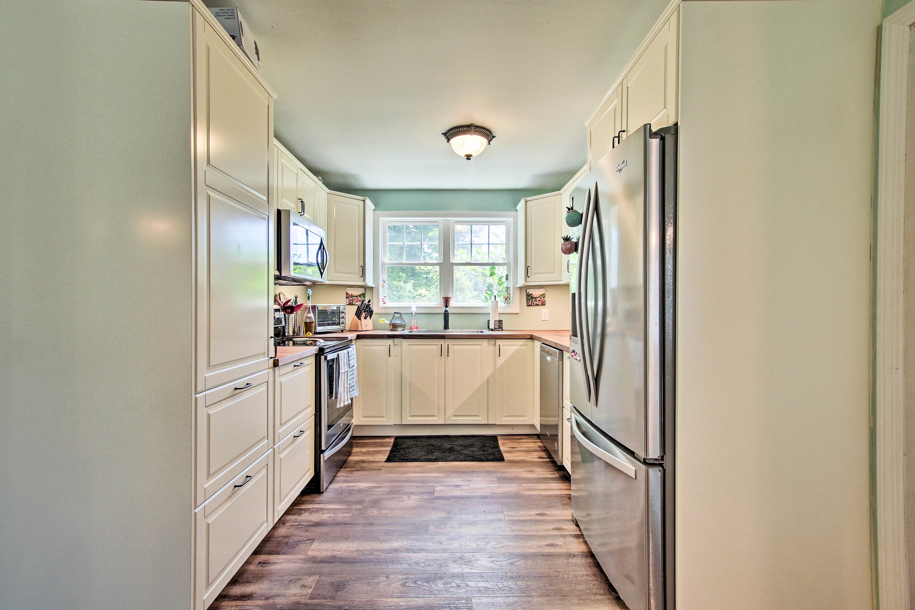 Make use of the fully equipped kitchen for savory meals.