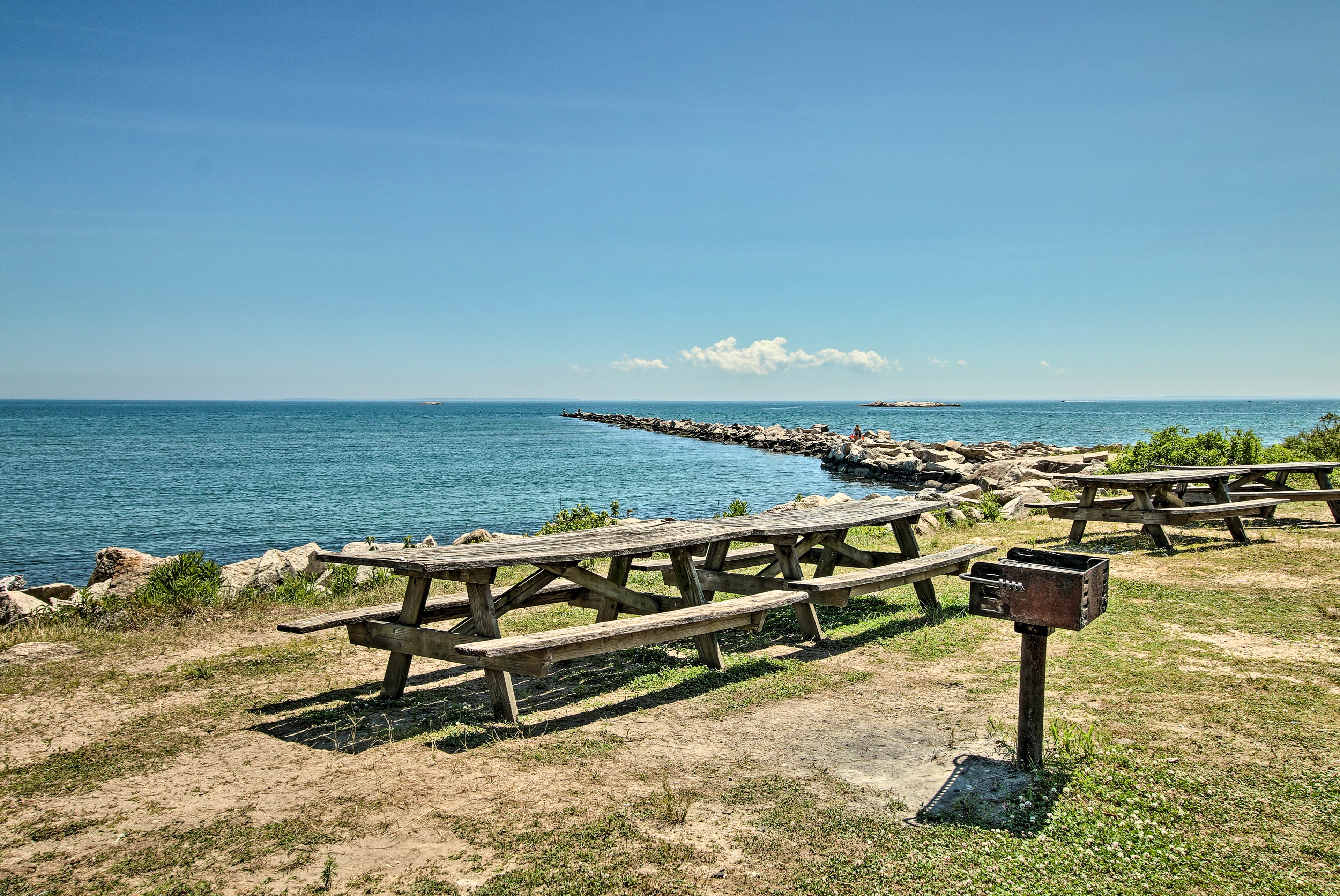 Bring a meal down to the ocean-side picnic tables.