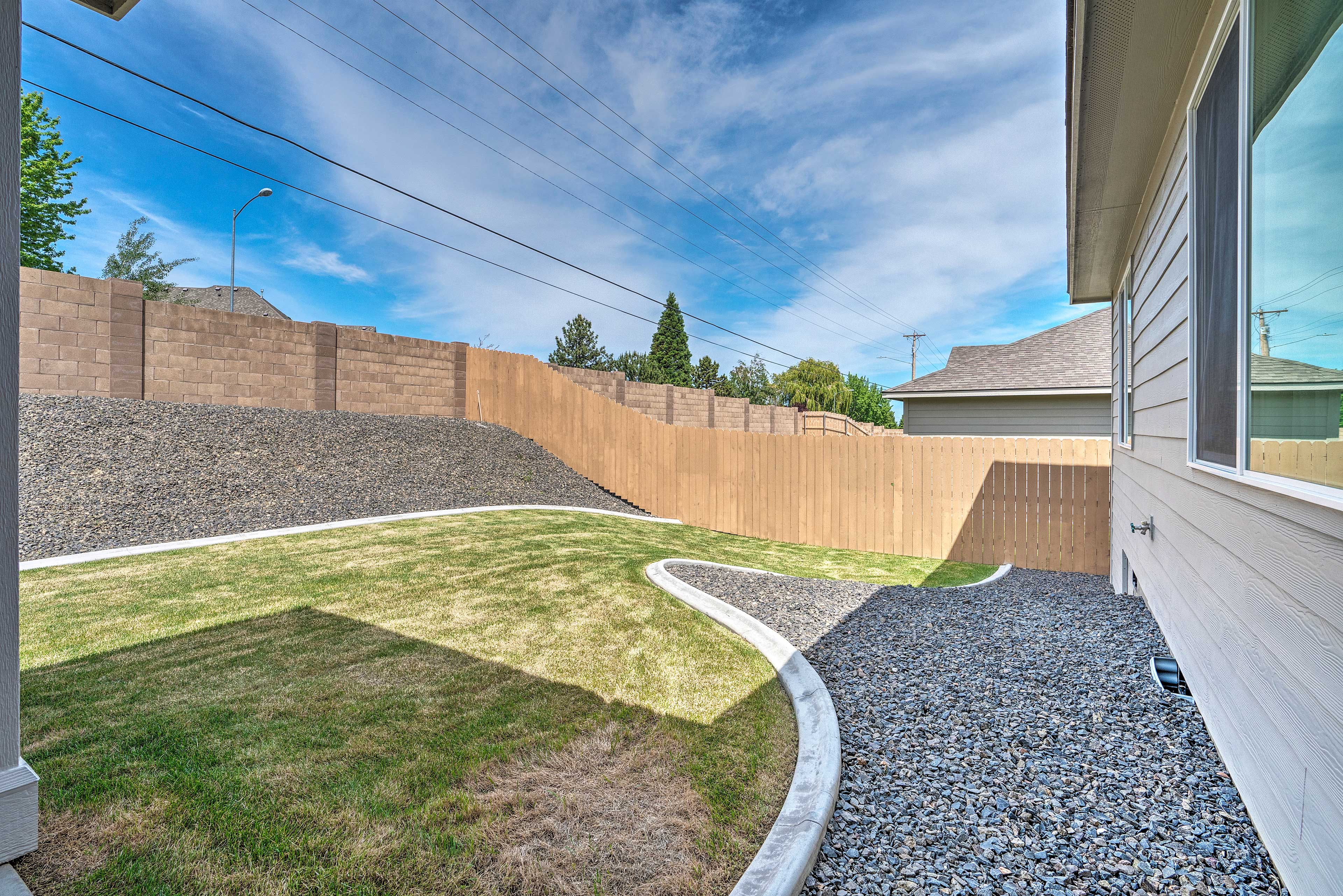 Private Backyard   Fully Fenced