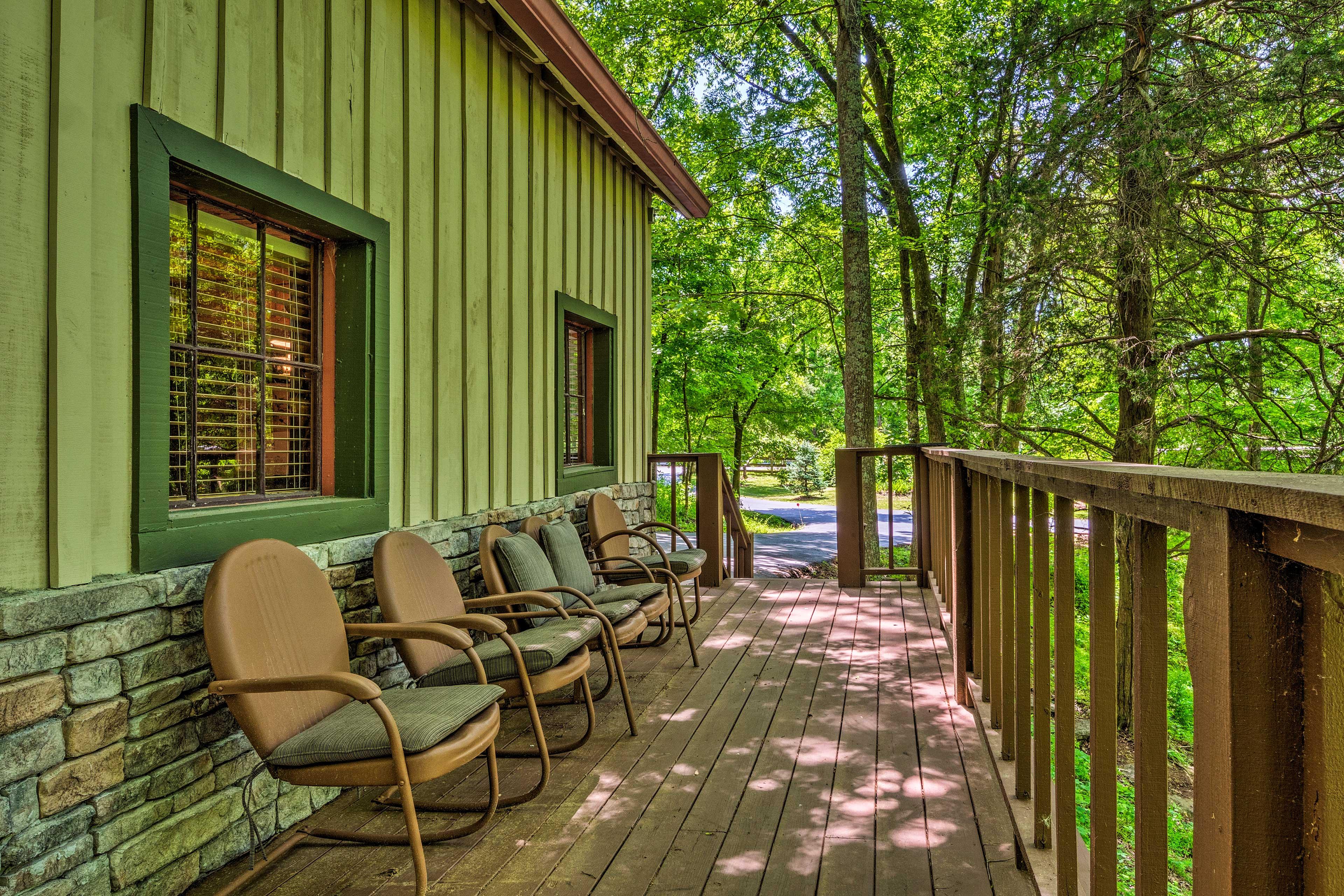 This 2-bedroom, 2-bath cabin also includes a wraparound deck.