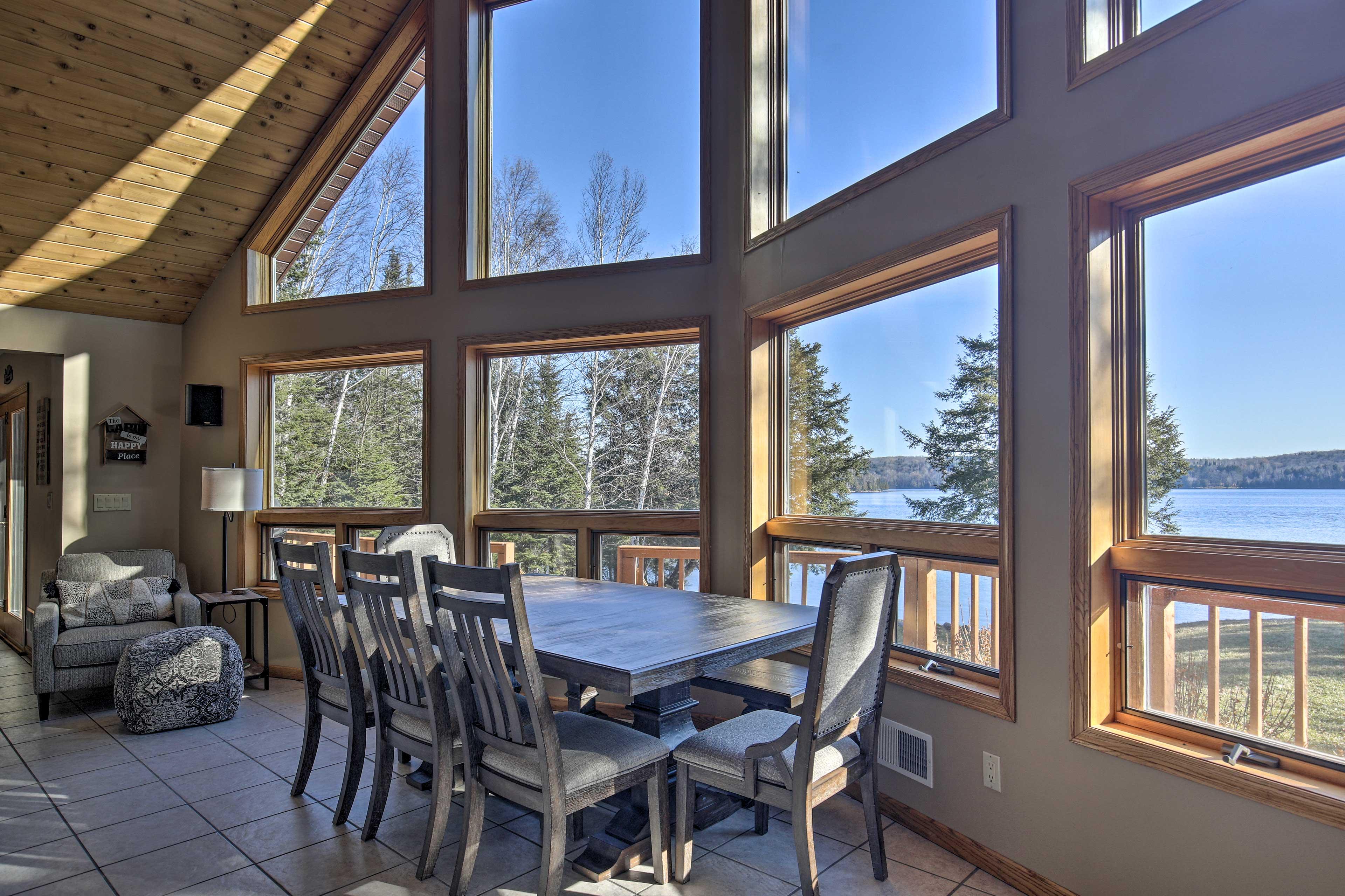 Dining Area 2 | Lake Views