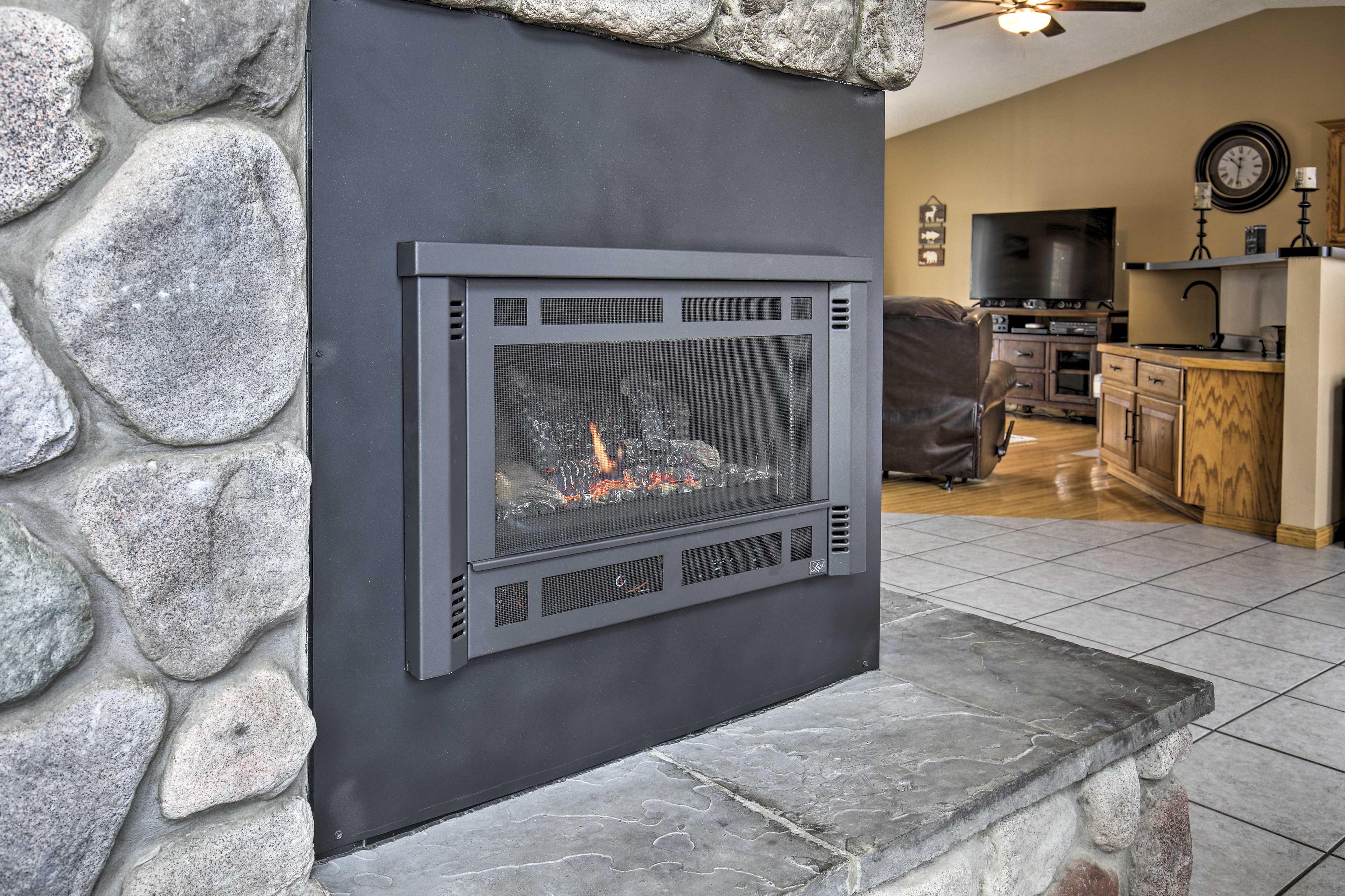 Living Area | Gas Fireplace