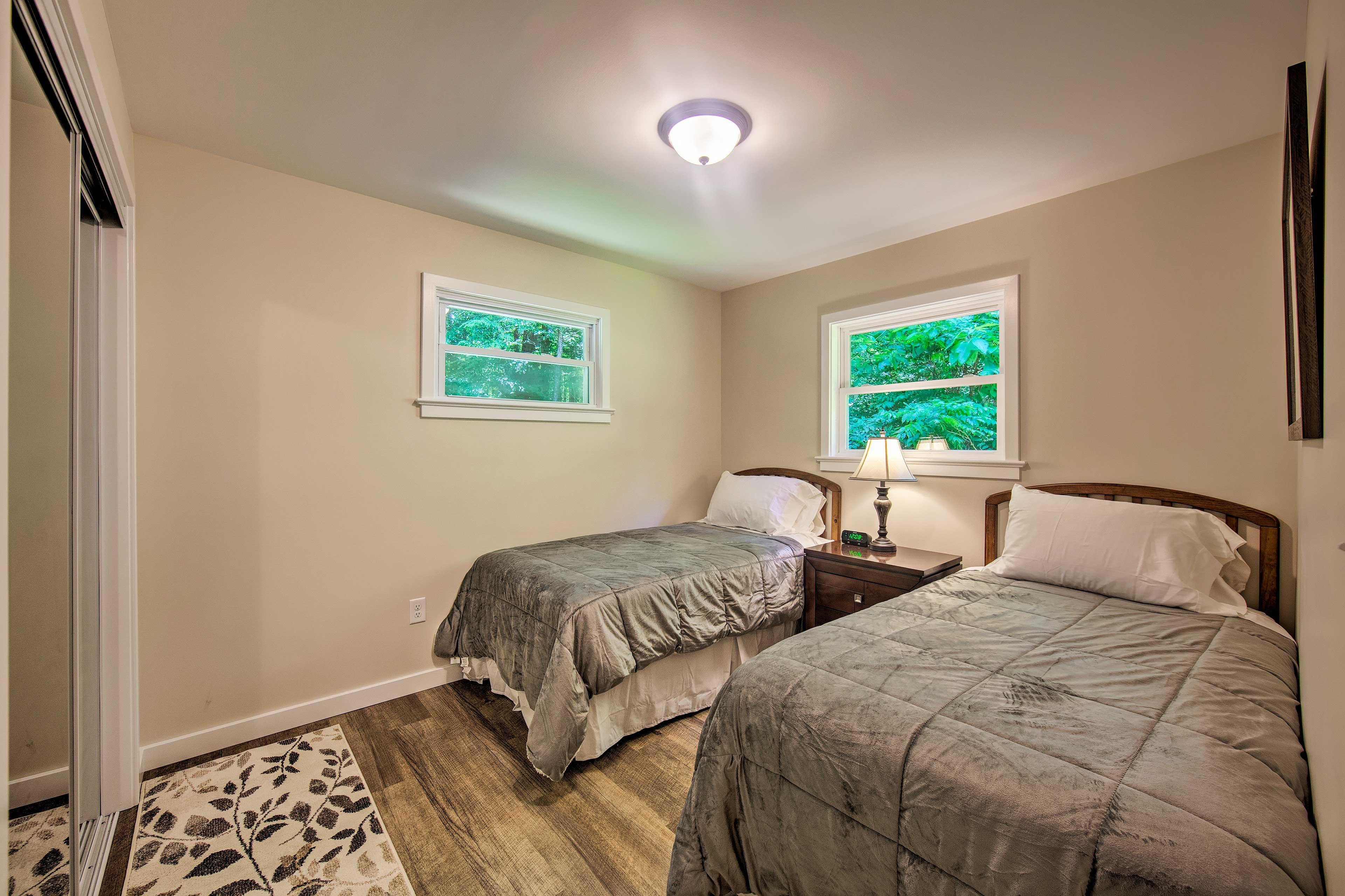 Two guests can stay in this room with 2 twin-sized beds.