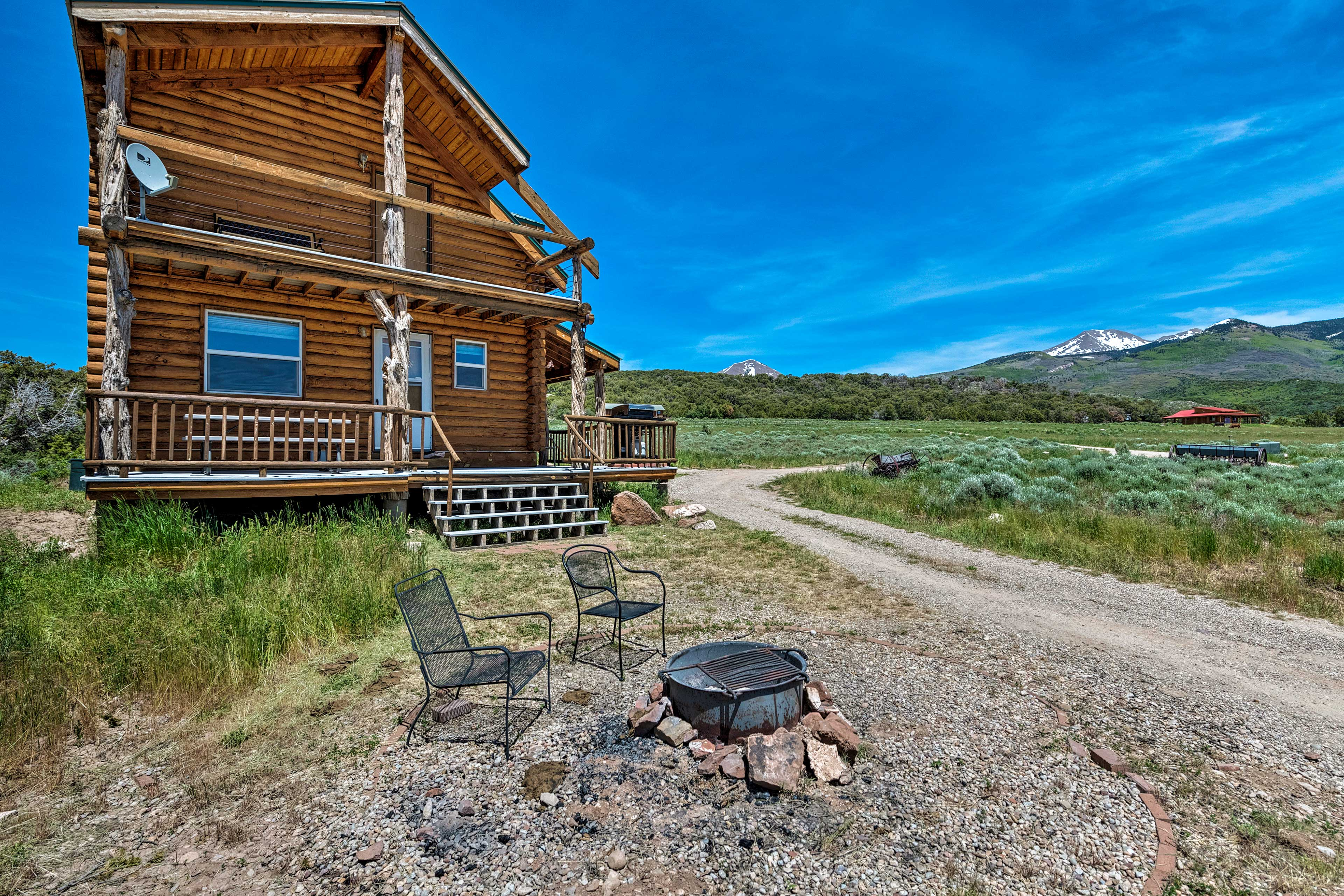 Downtown Moab is just 18 miles from this vacation rental, 'Pioneer Cabin 1!'