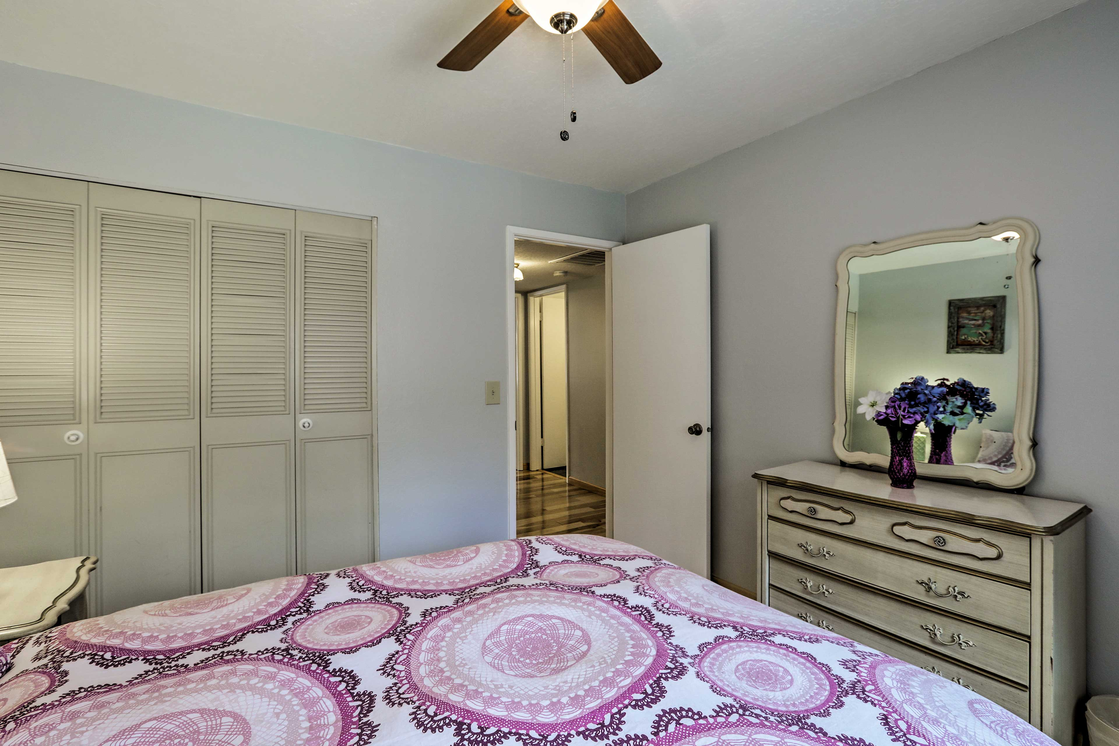 Sleep soundly in this well-appointed room.