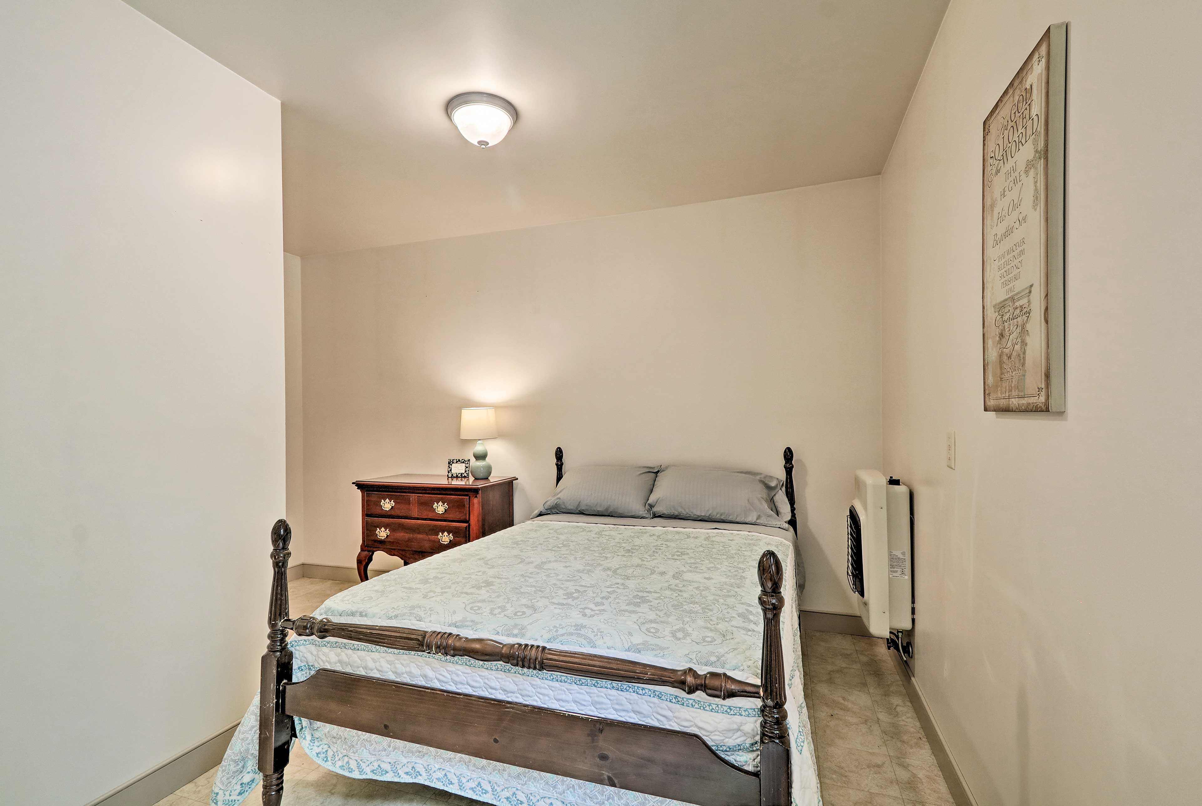 The 3rd bedroom features a full bed.