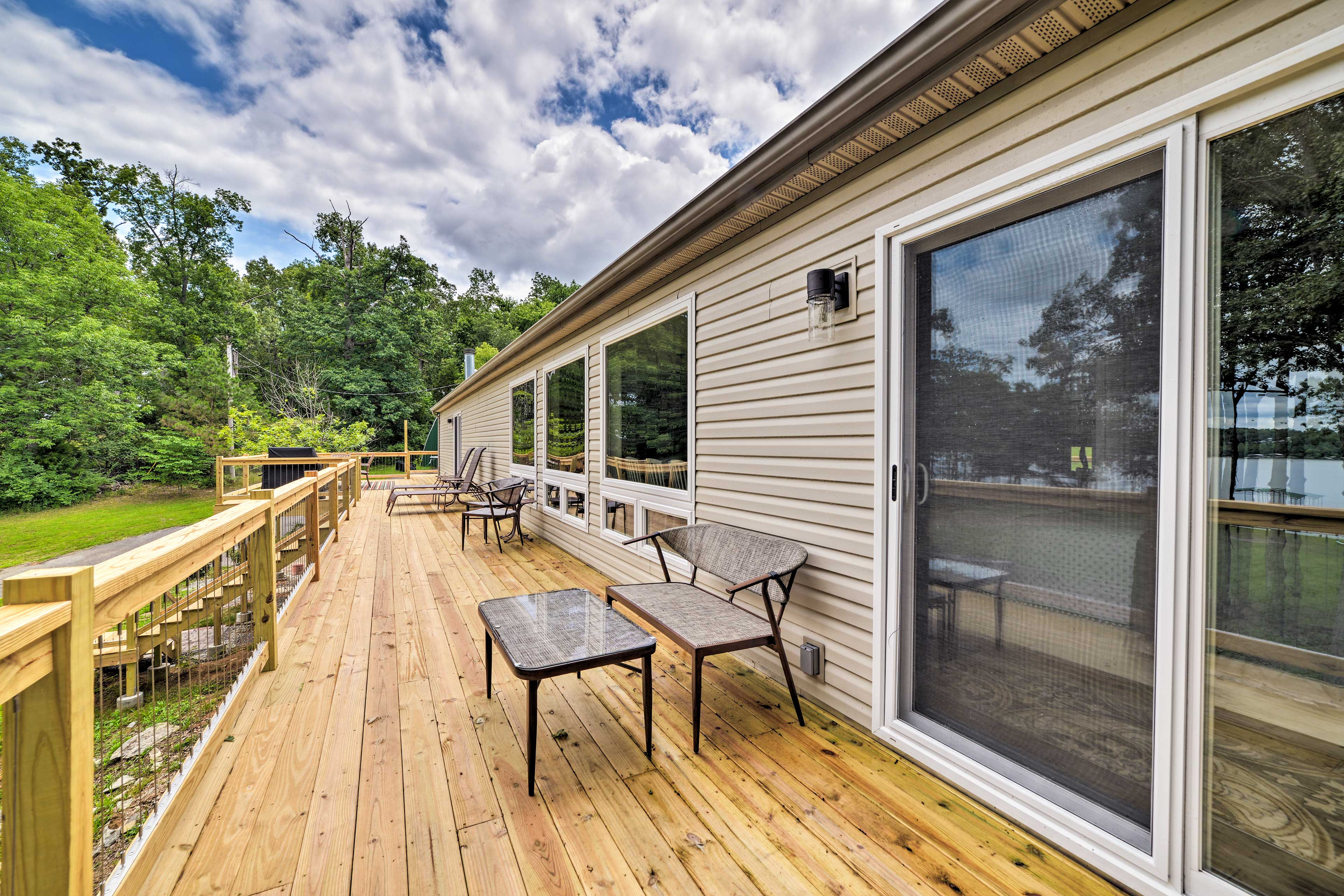 Step out to the deck and breathe the fresh lake air.