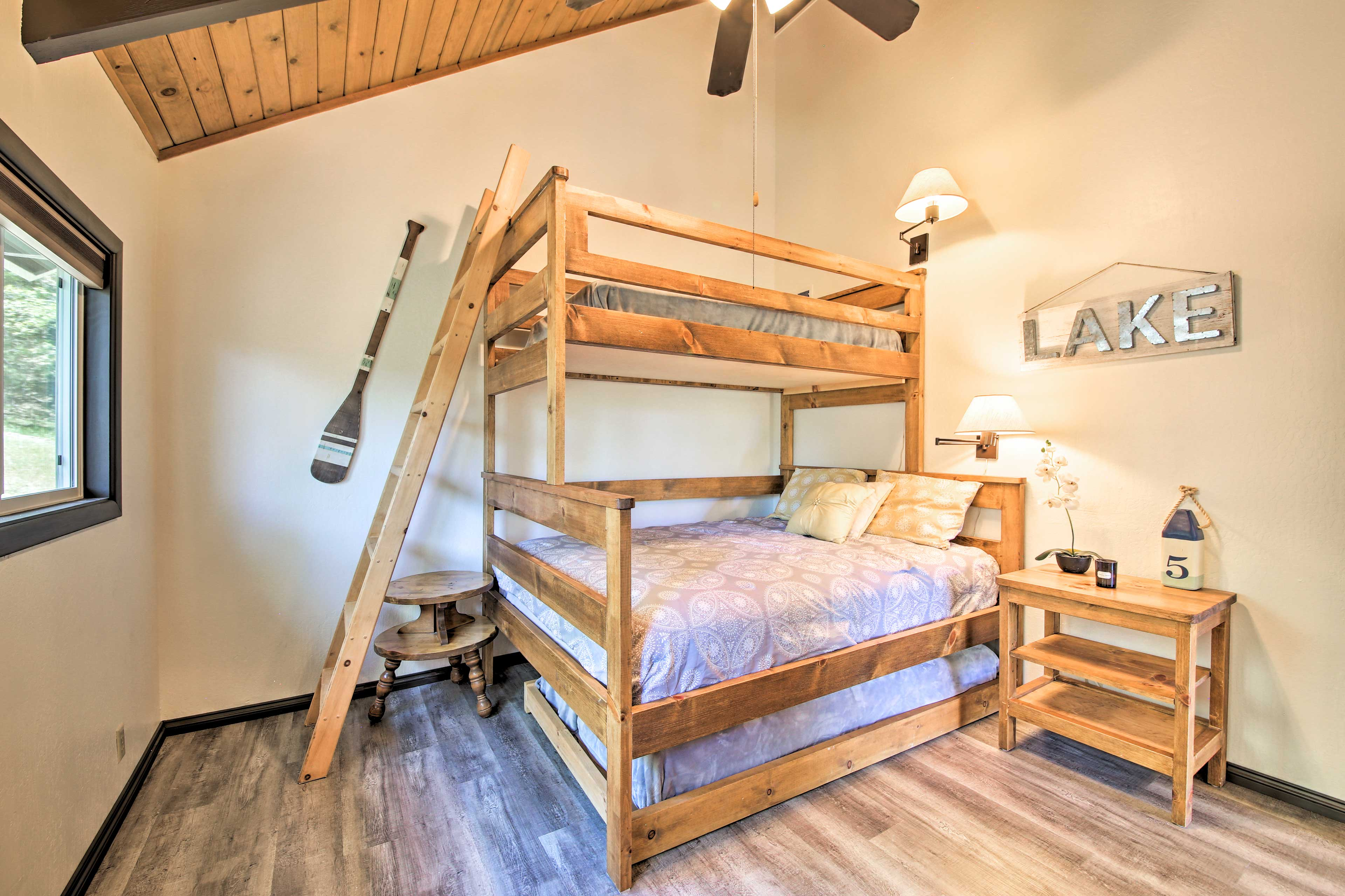 Kids will love sharing this bunk room, complete with sleeping for 4 people.