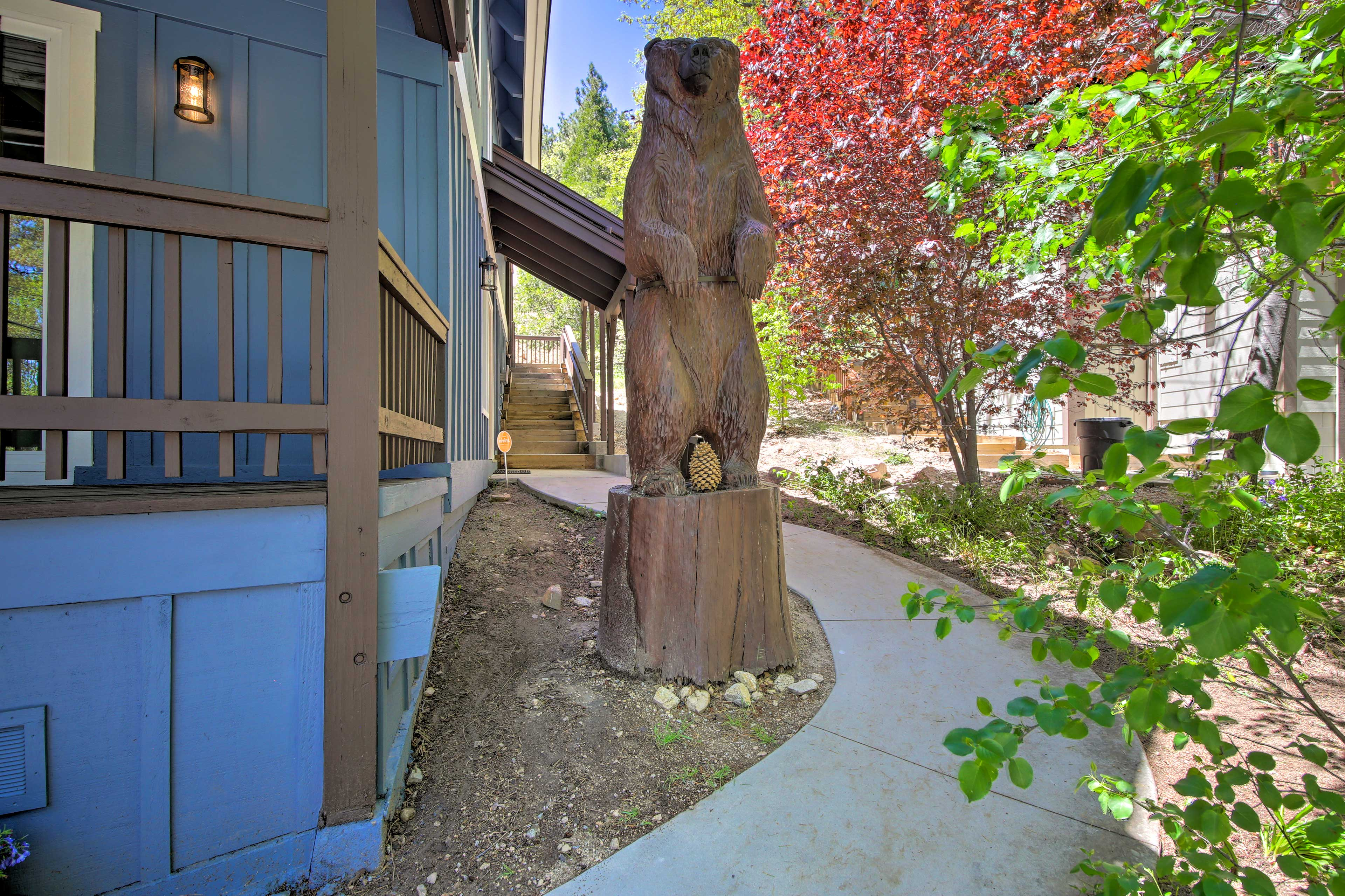 Watch out for bears! This Lake Arrowhead chalet is surrounded by local wildlife!