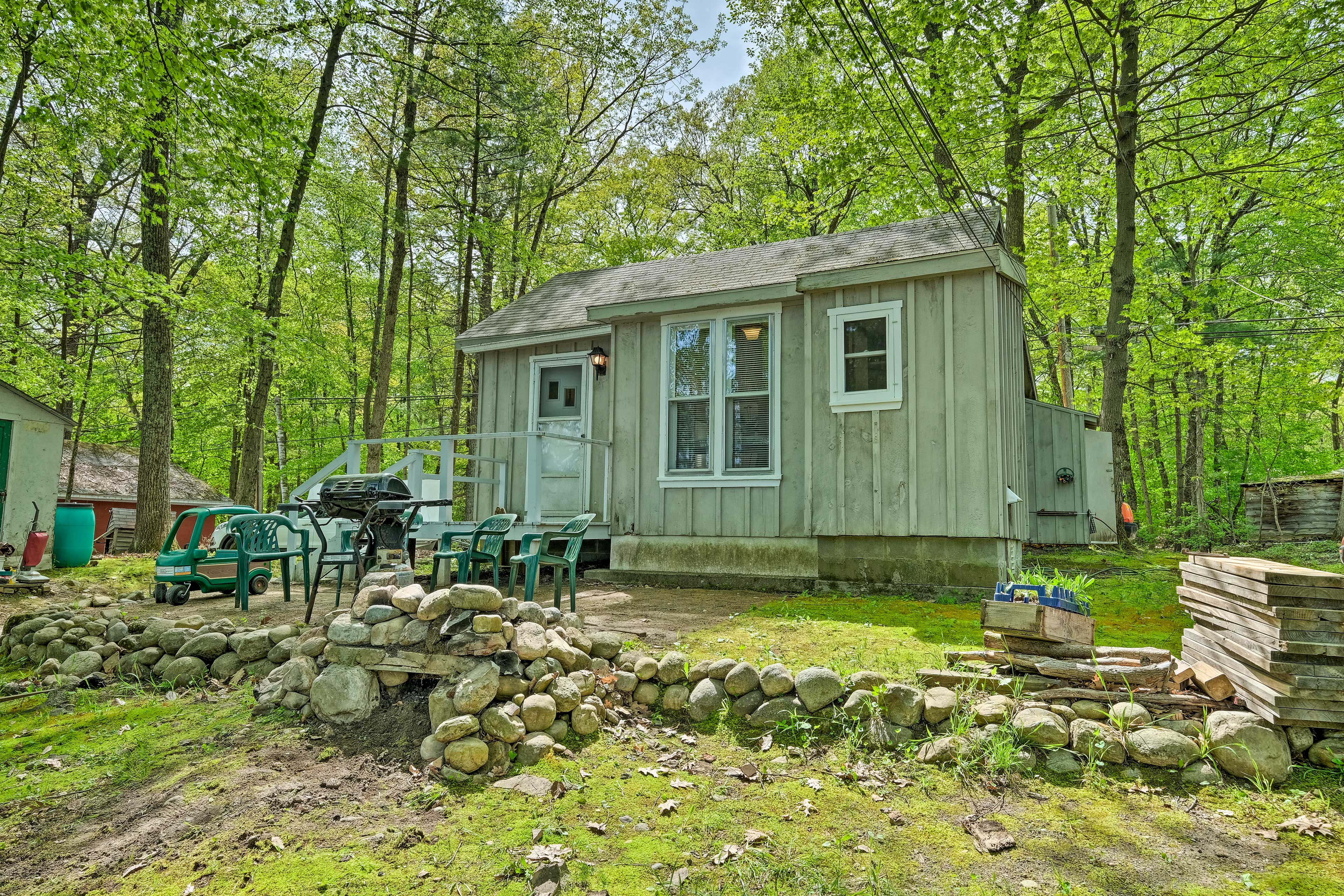 When you need a catnap or snack, easily return to the cottage from Lake George!