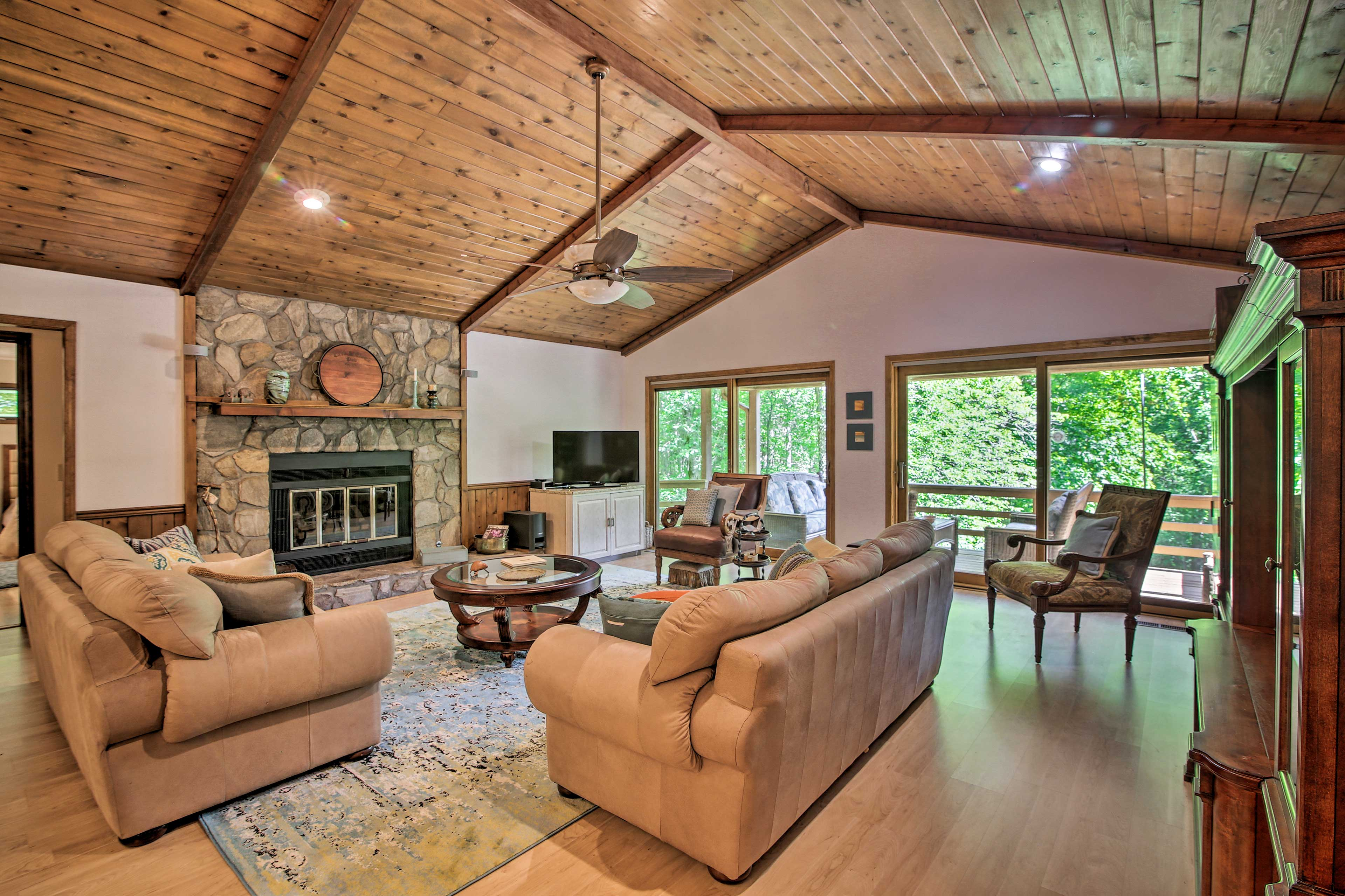 This homey Sky Valley, GA vacation rental is calling your name!