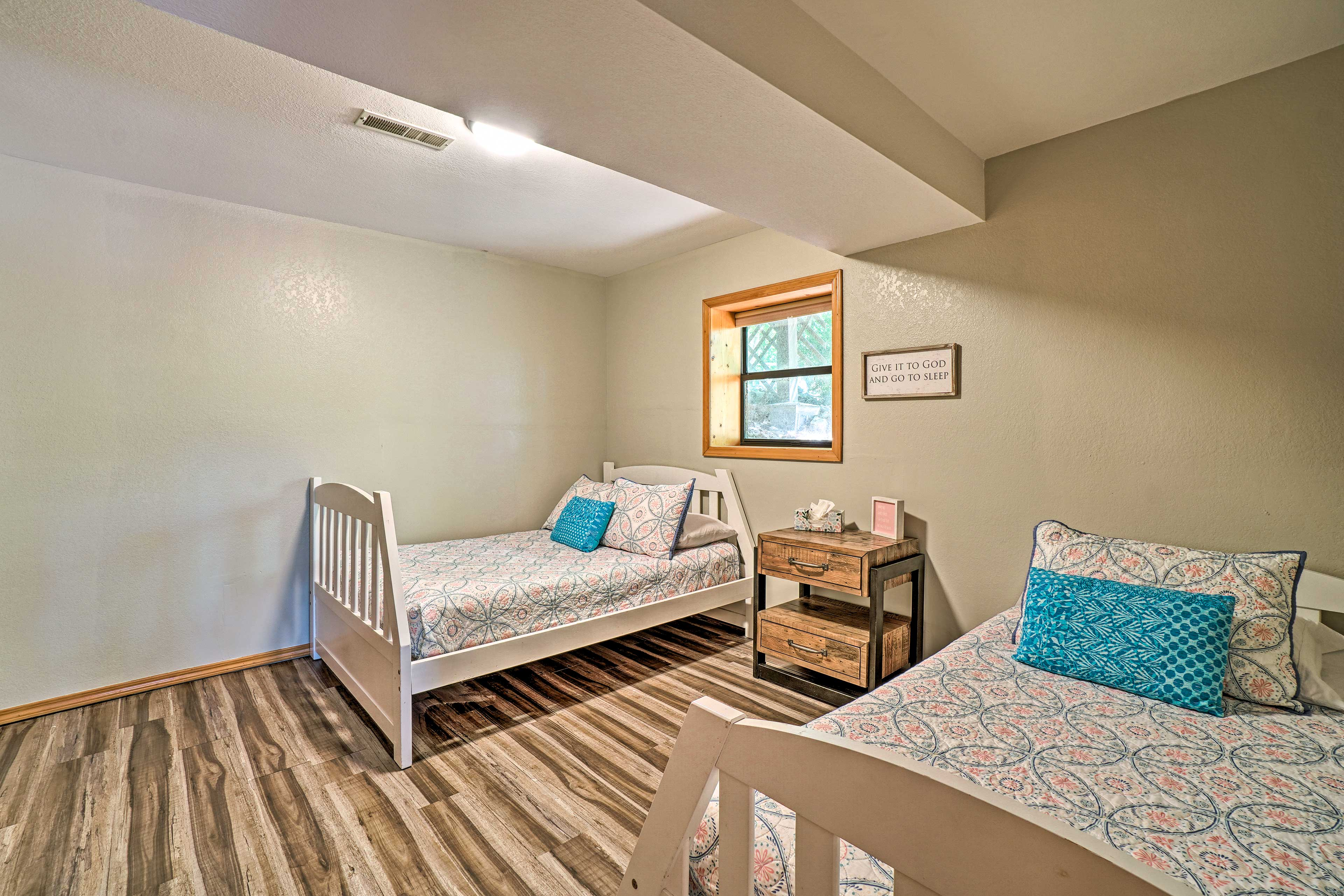 Bedroom 4 | Full Bed, Twin Bed