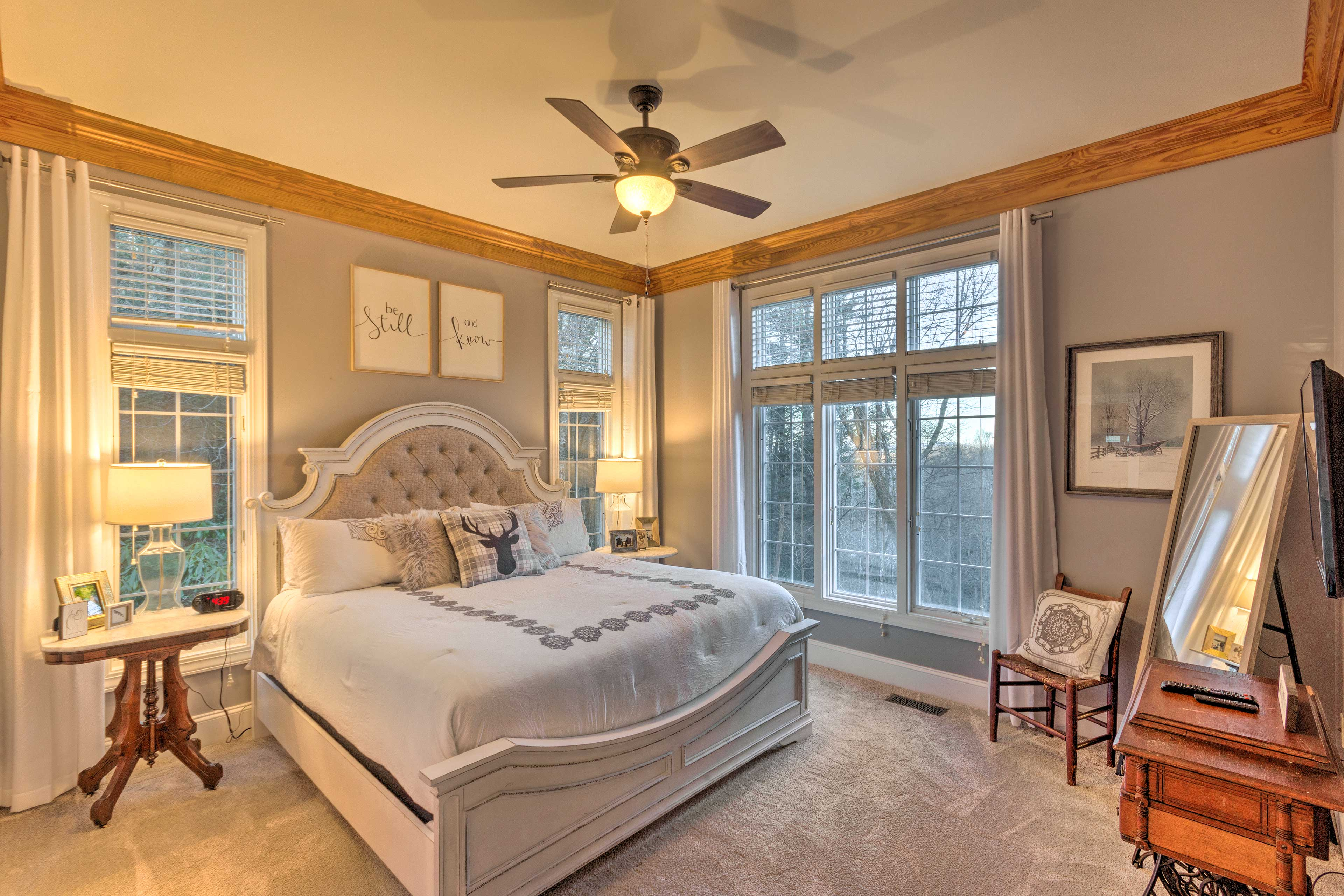 Bedroom Suite 1   King Bed