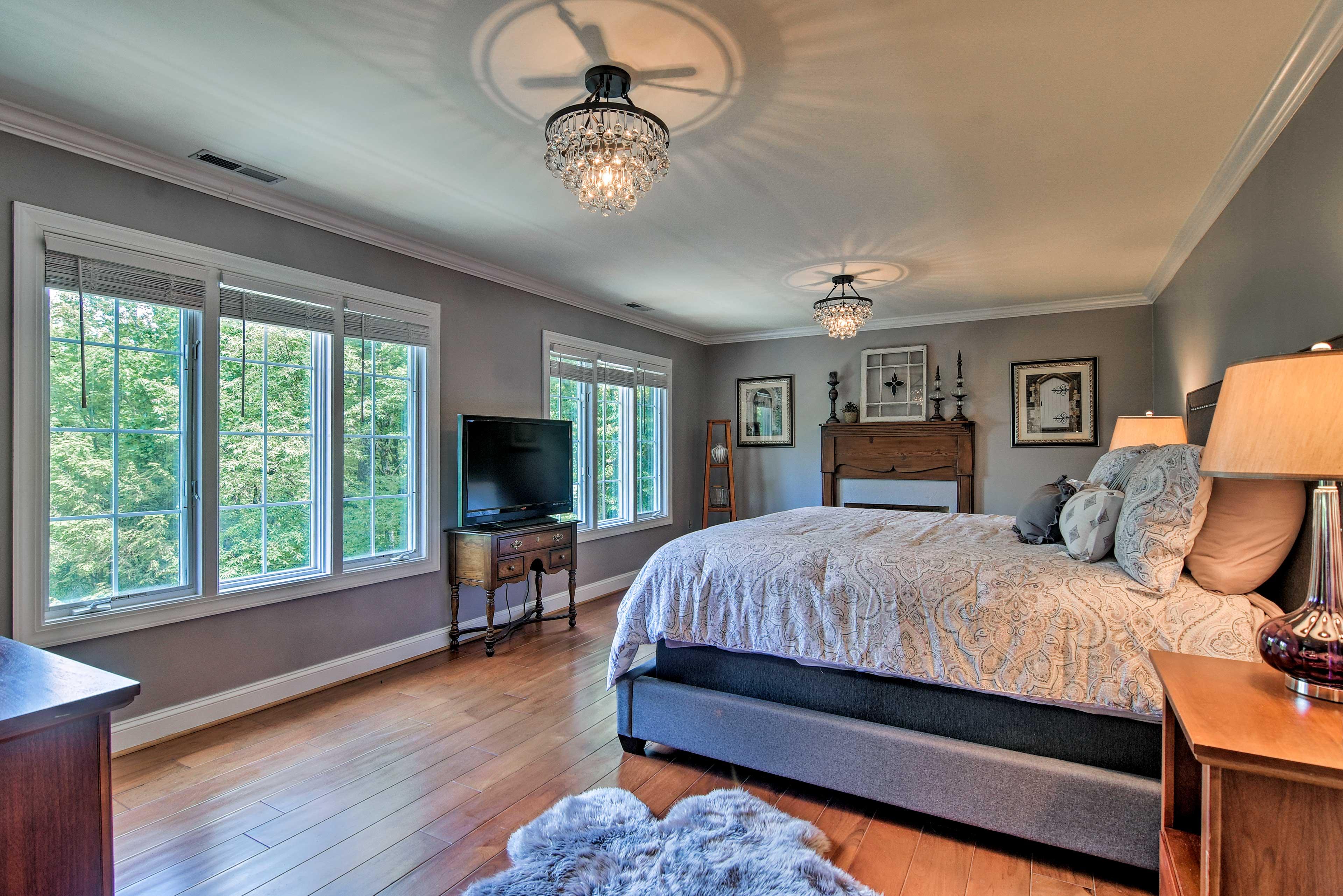 Bedroom Suite 2   King Bed