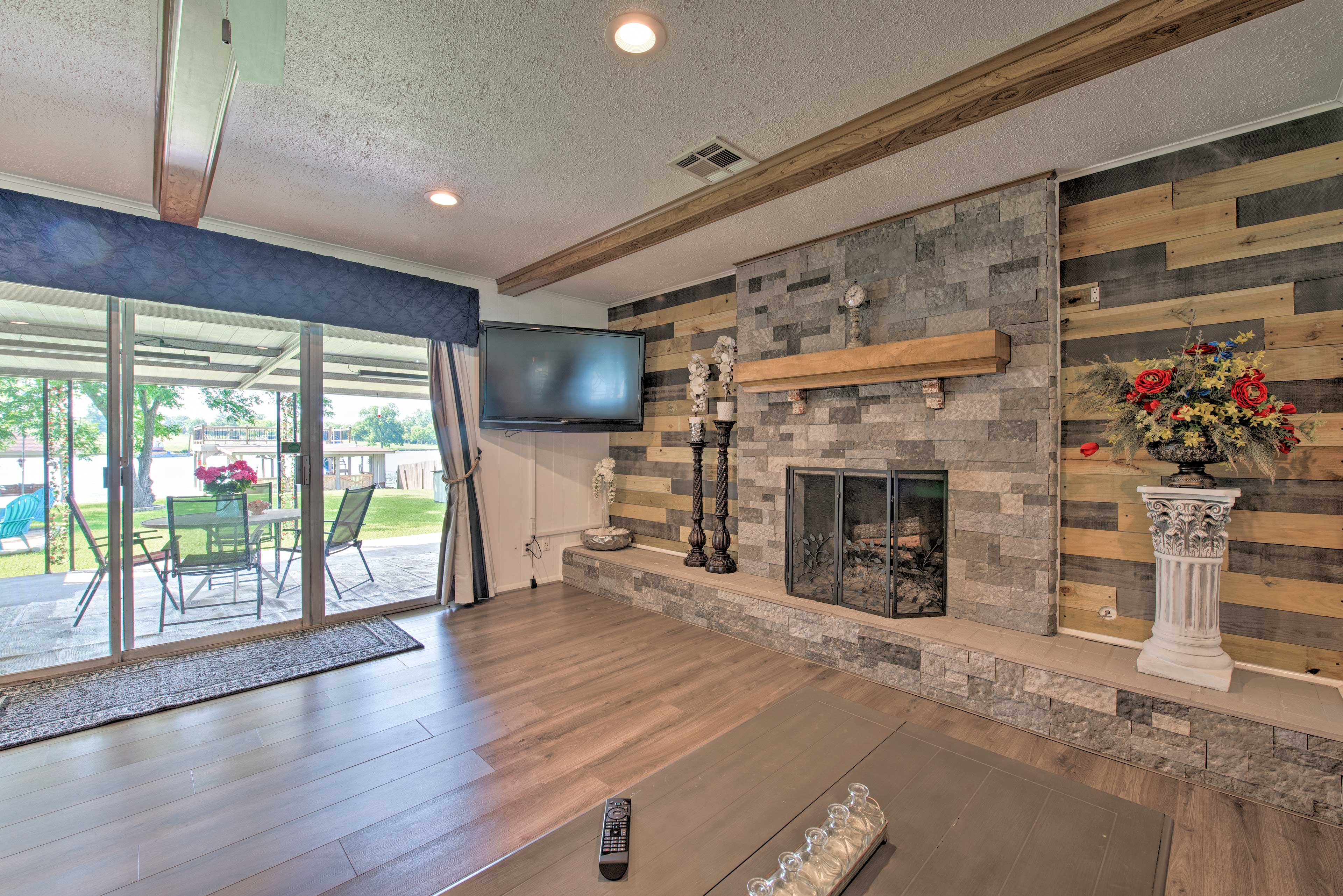 Step into this 4-bed, 2-bath vacation rental home on Lake Conroe.