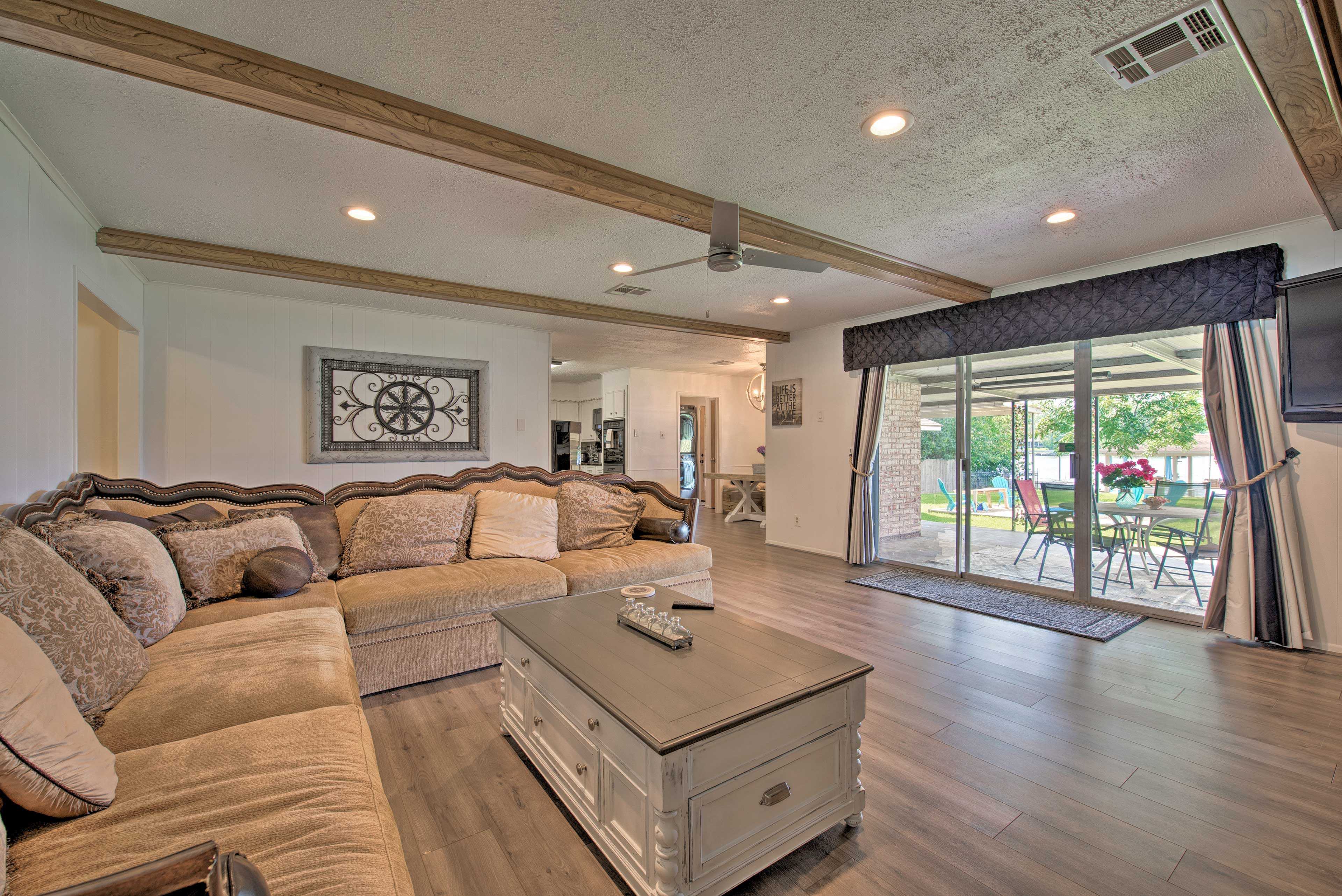 The large L-shaped sectional provides a seat for everyone!