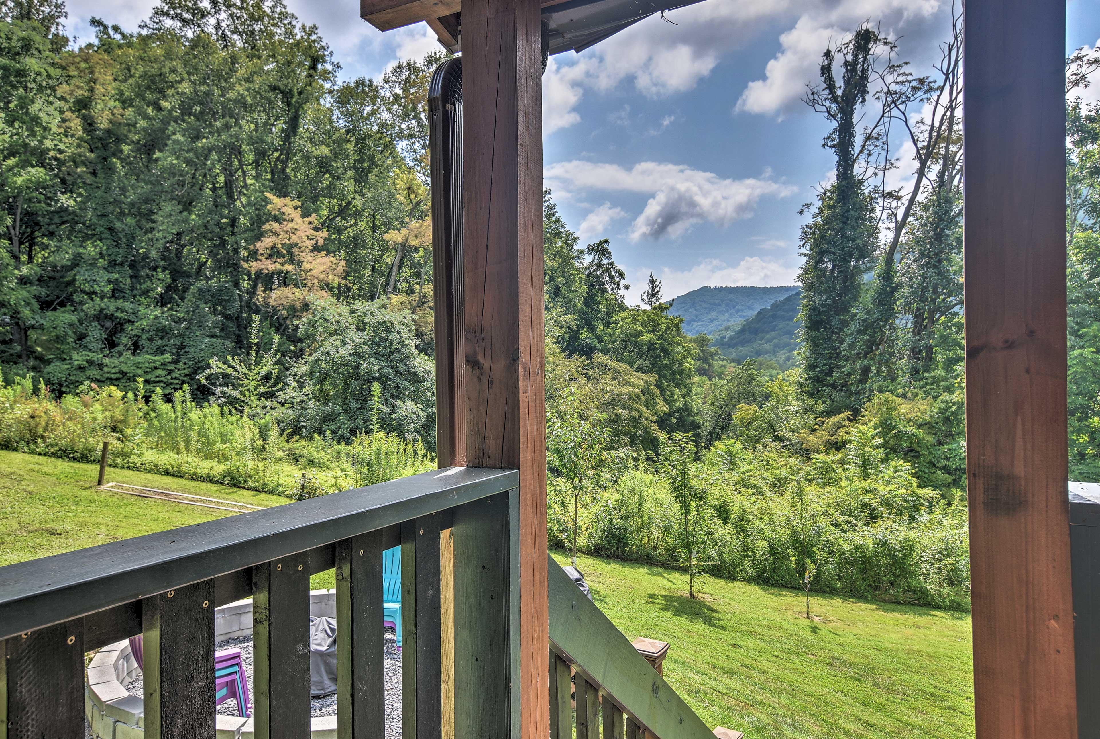 Get ready to explore the Blue Ridge Mountains!