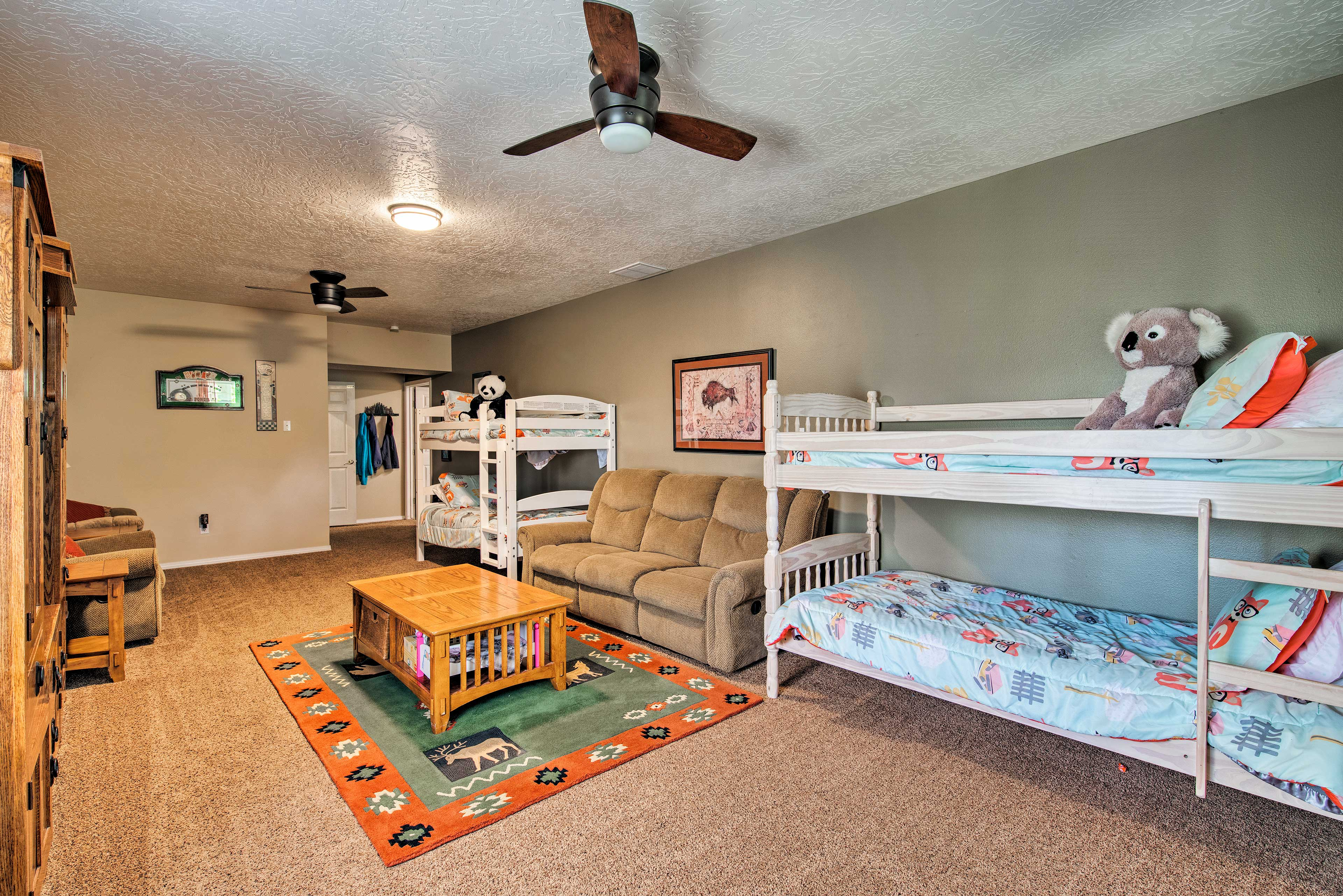 Kids love the downstairs bedroom with 2 twin bunk beds.