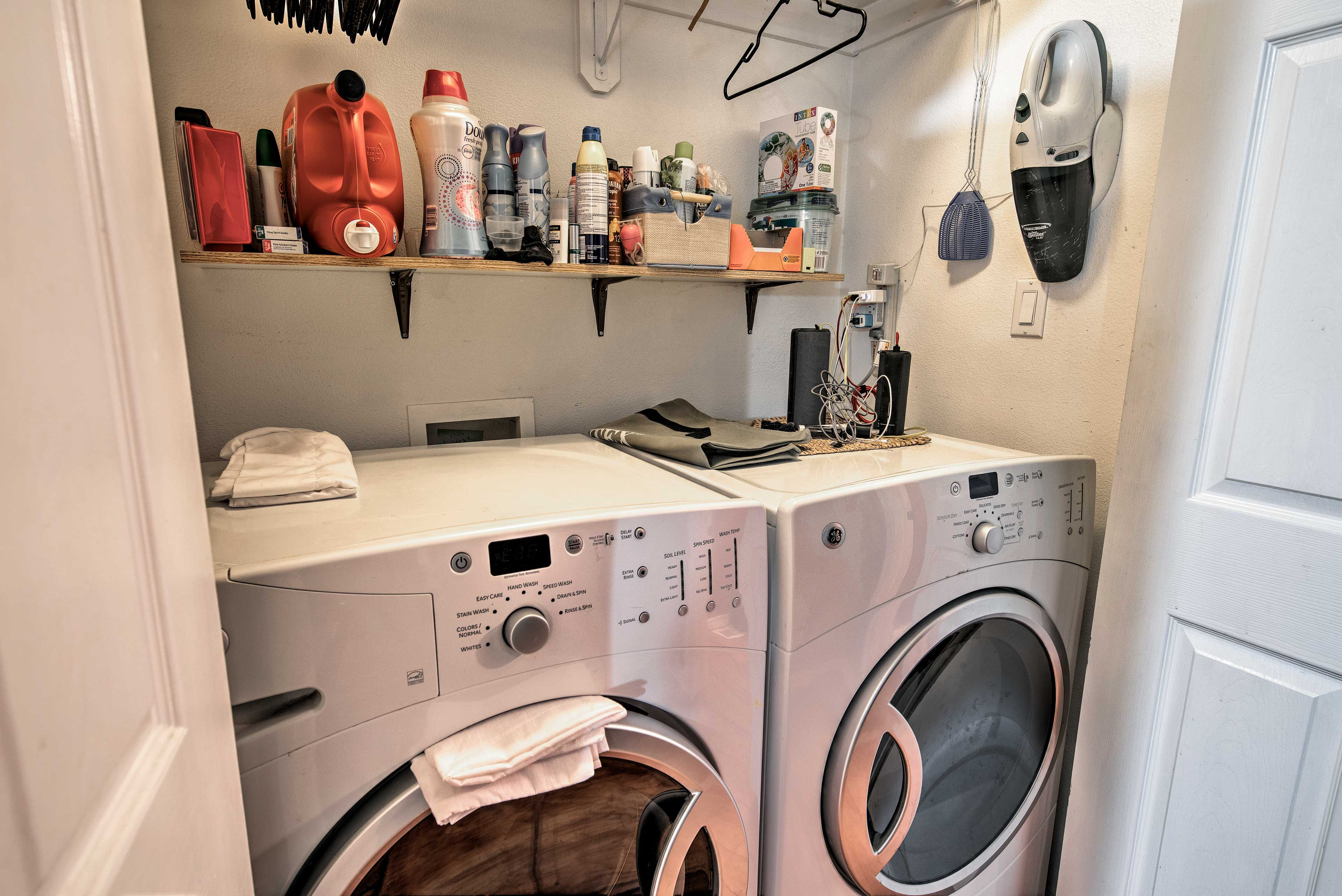 In-unit laundry machines are always useful.