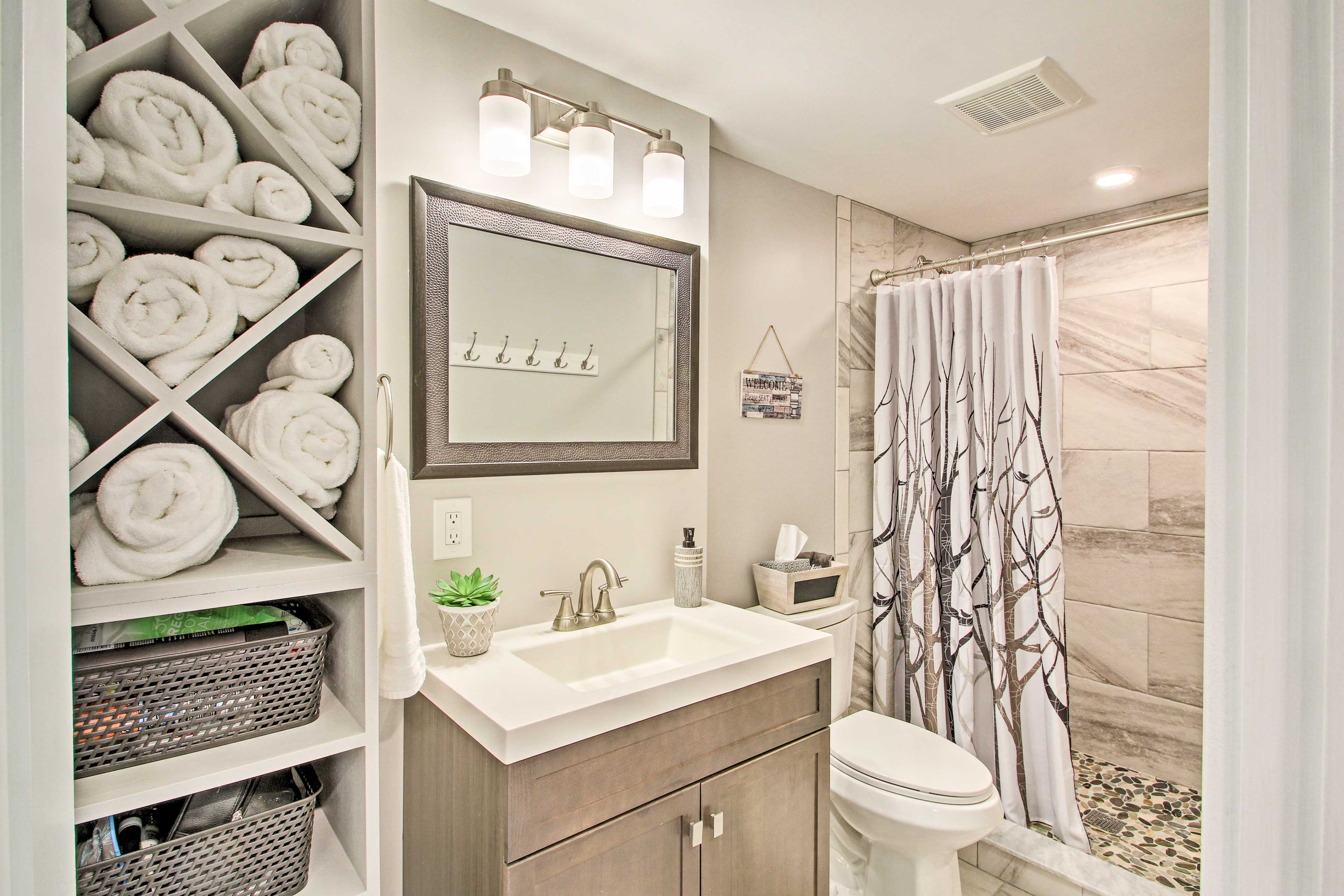 Ample fresh towels - plus complimentary toiletries - will be provided!