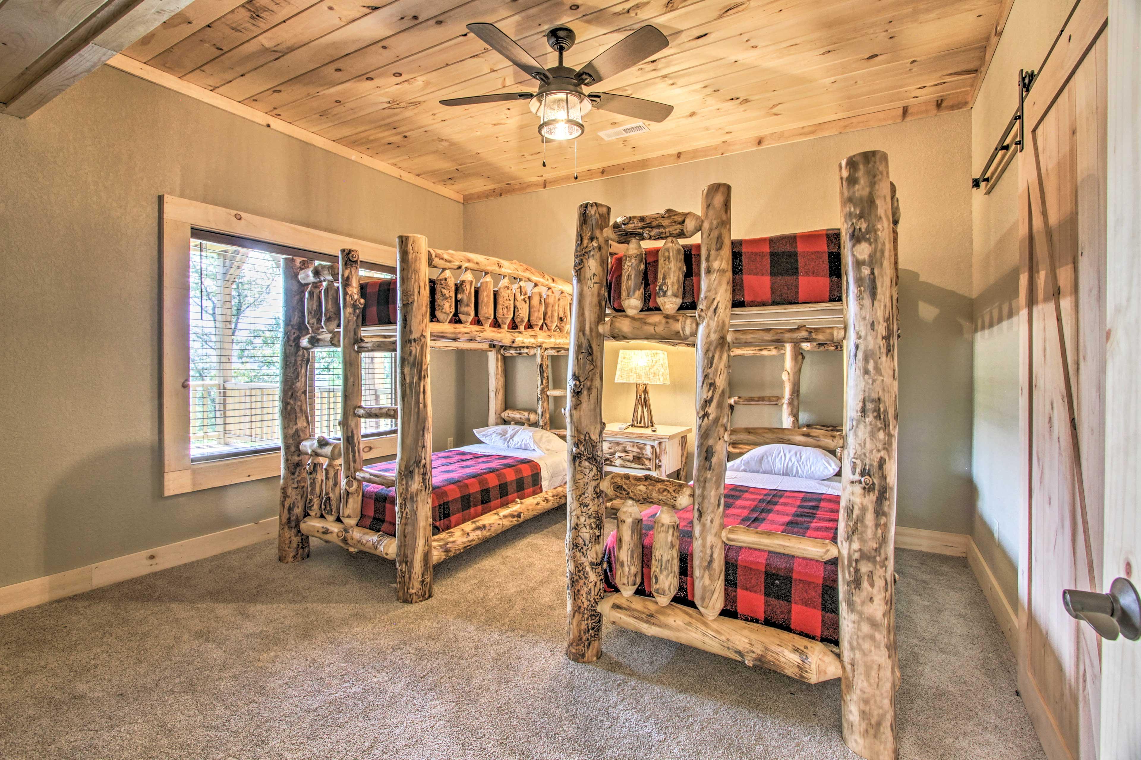 Bedroom 5   2 Twin Bunk Beds