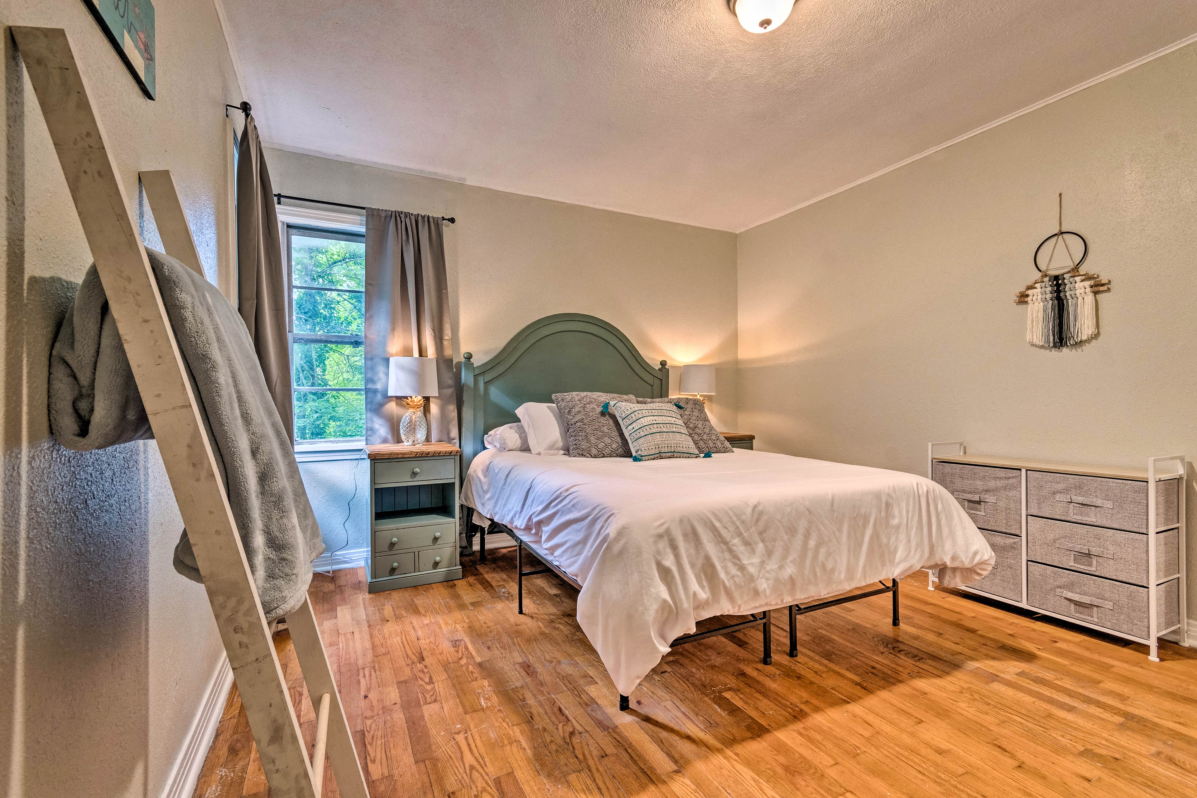 This room is perfect for 2 guests!