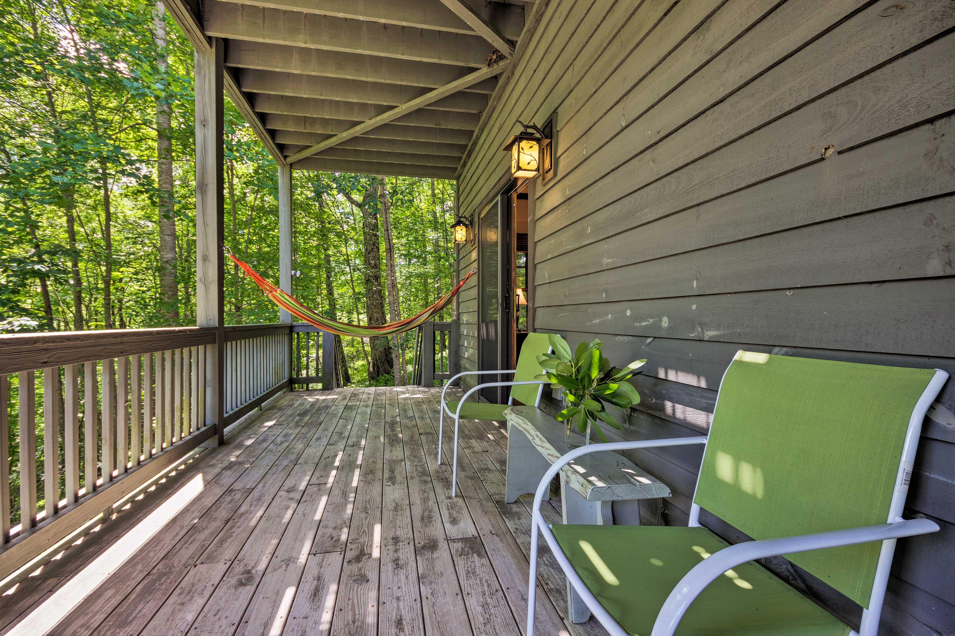 Lounge on the hammock.