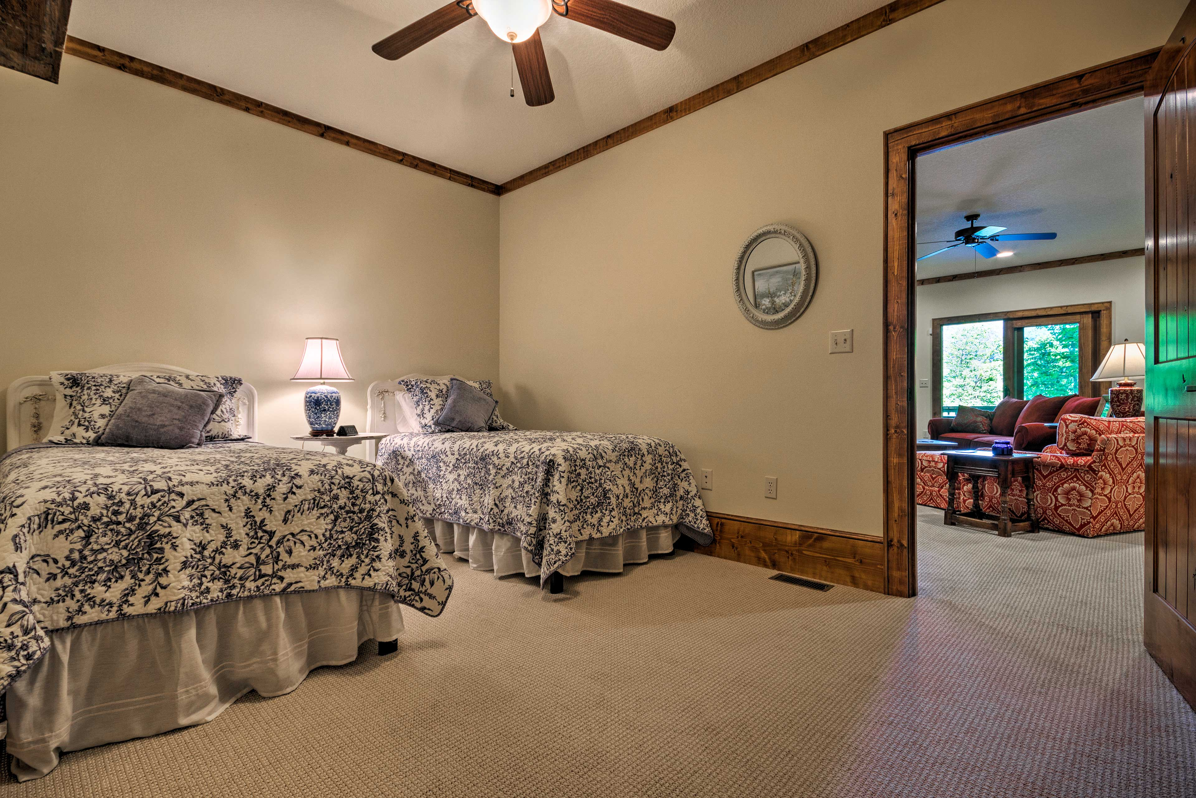 This is a perfect room for kids with its 2 twin beds.