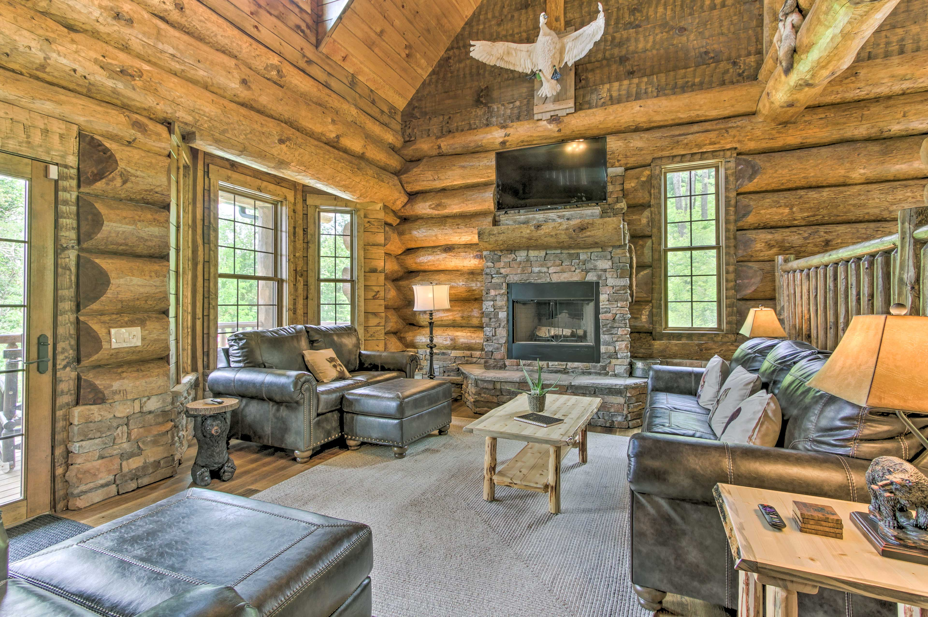 This 2,790-square-foot home can host your whole group!