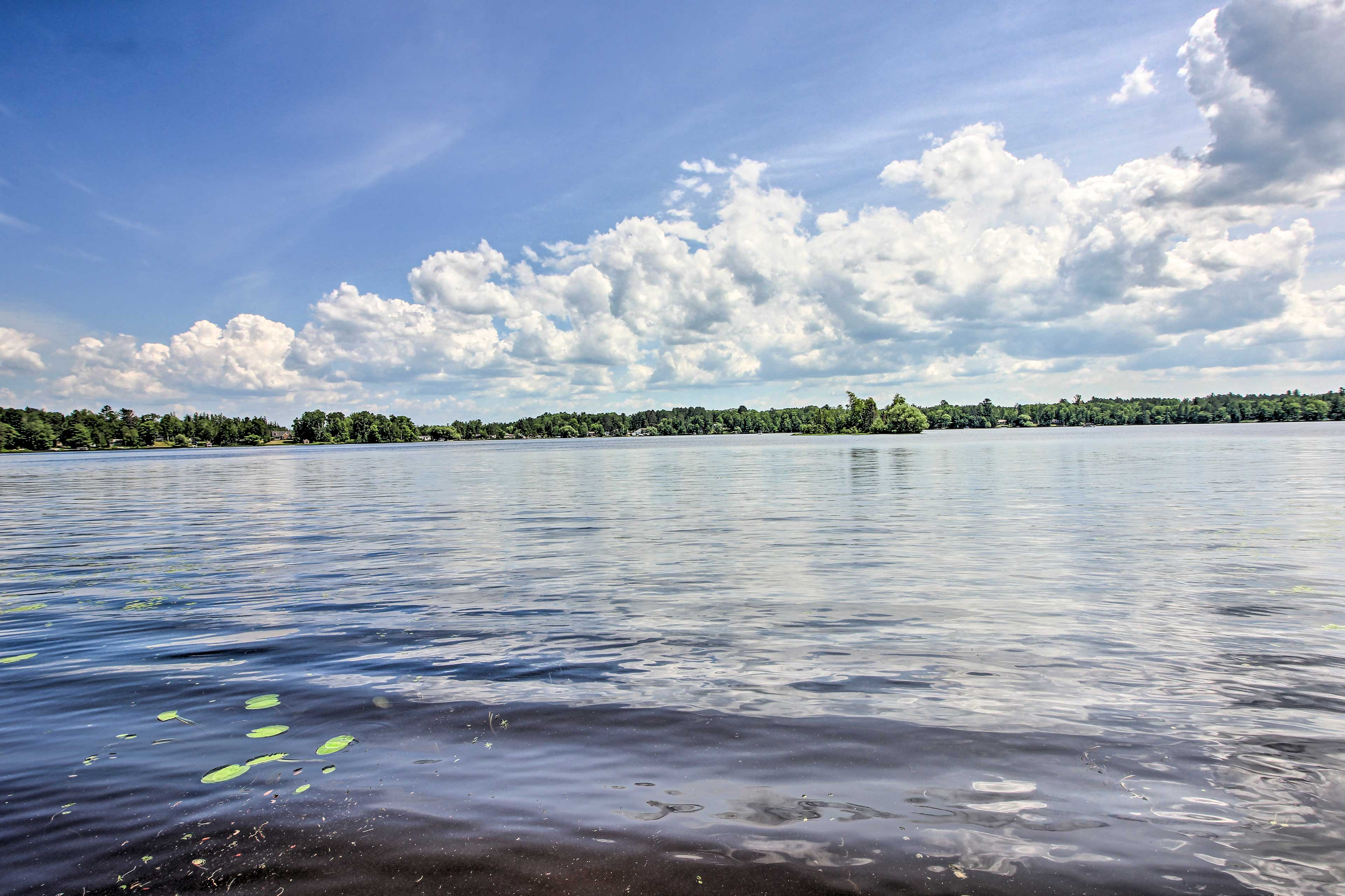 Sunny days of lounging on the lake are only a few steps away!