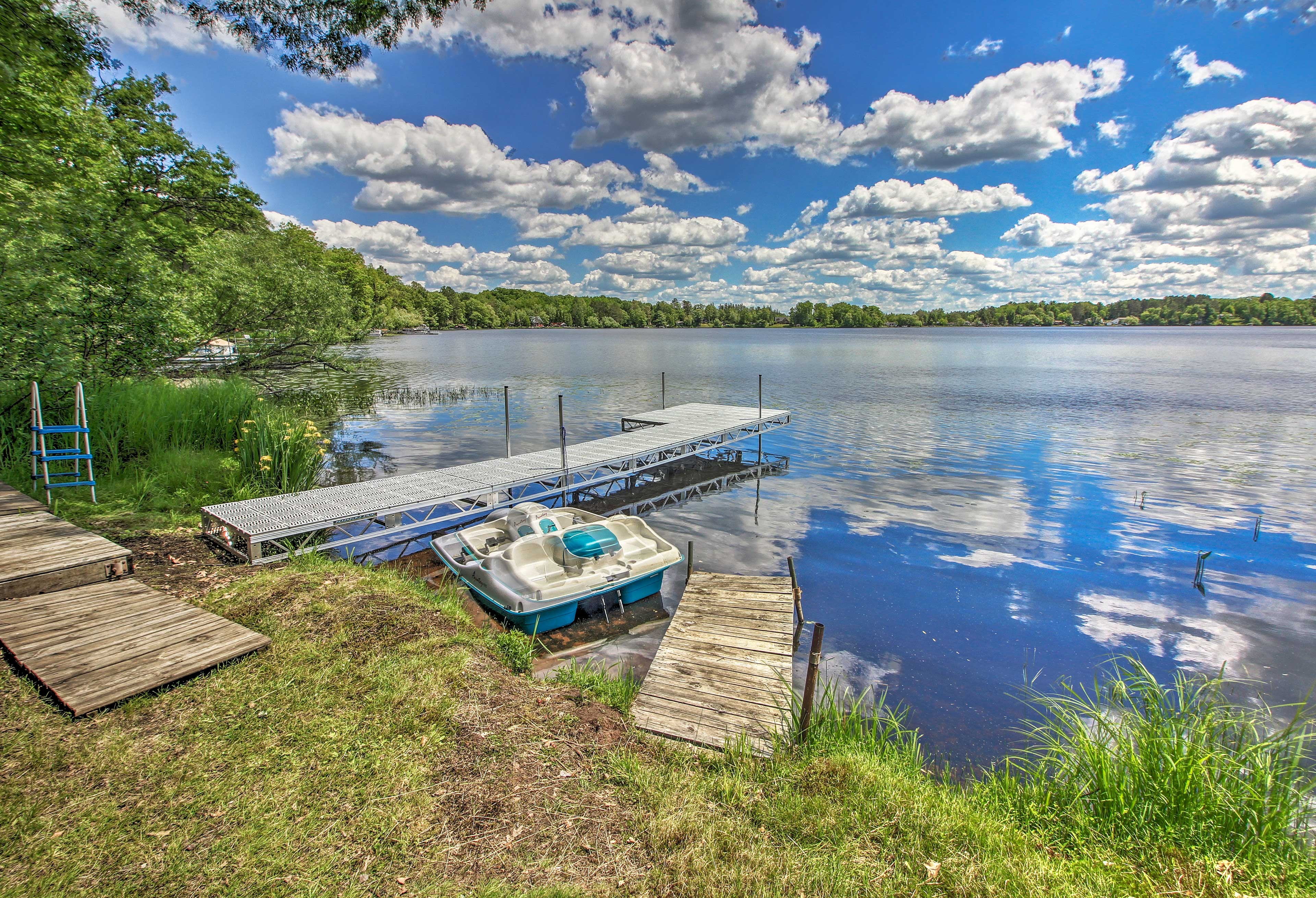 Spend afternoons boating, swimming & fishing on Dowling Lake.