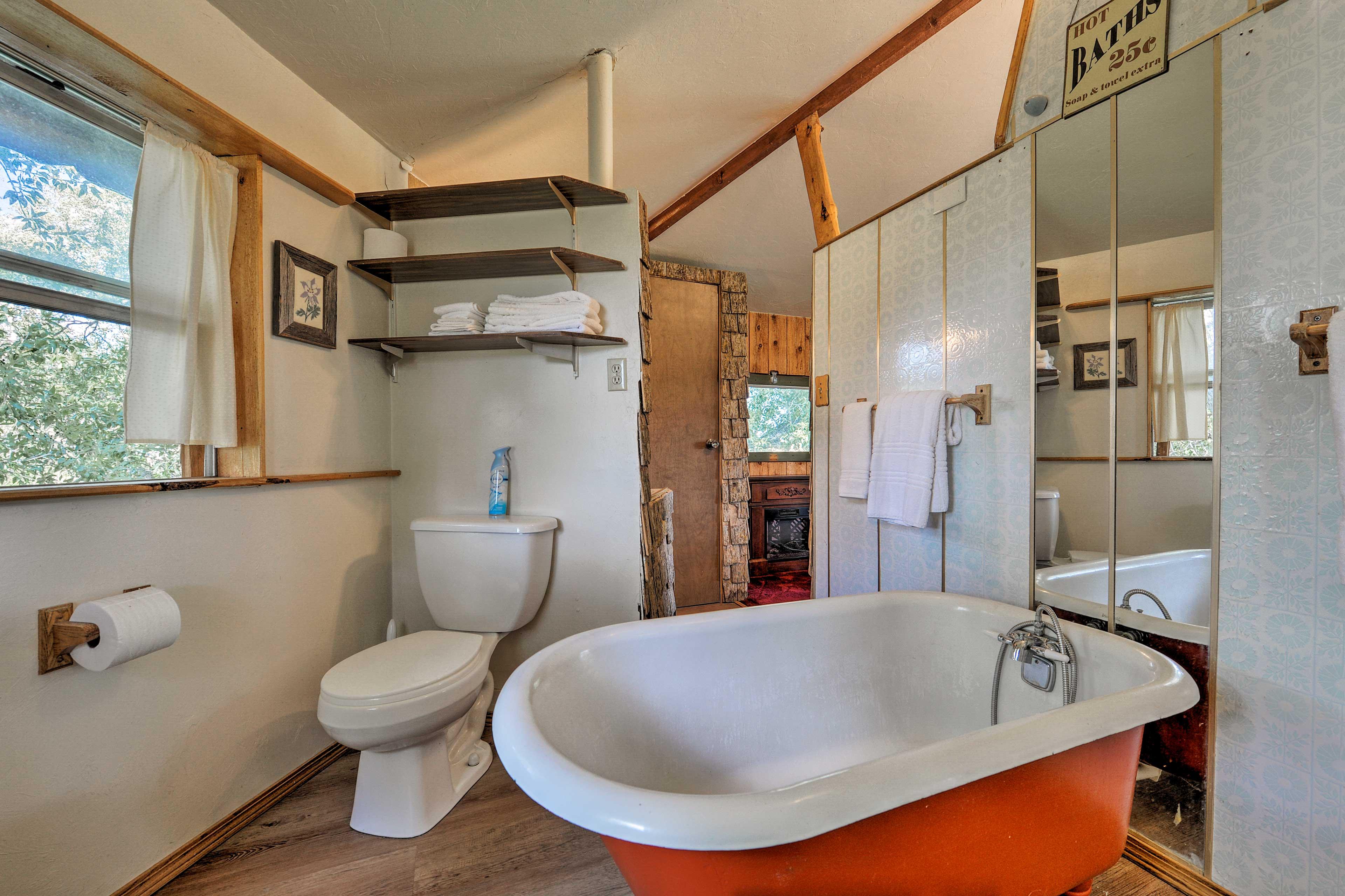 Take a soak in the claw-foot tub.