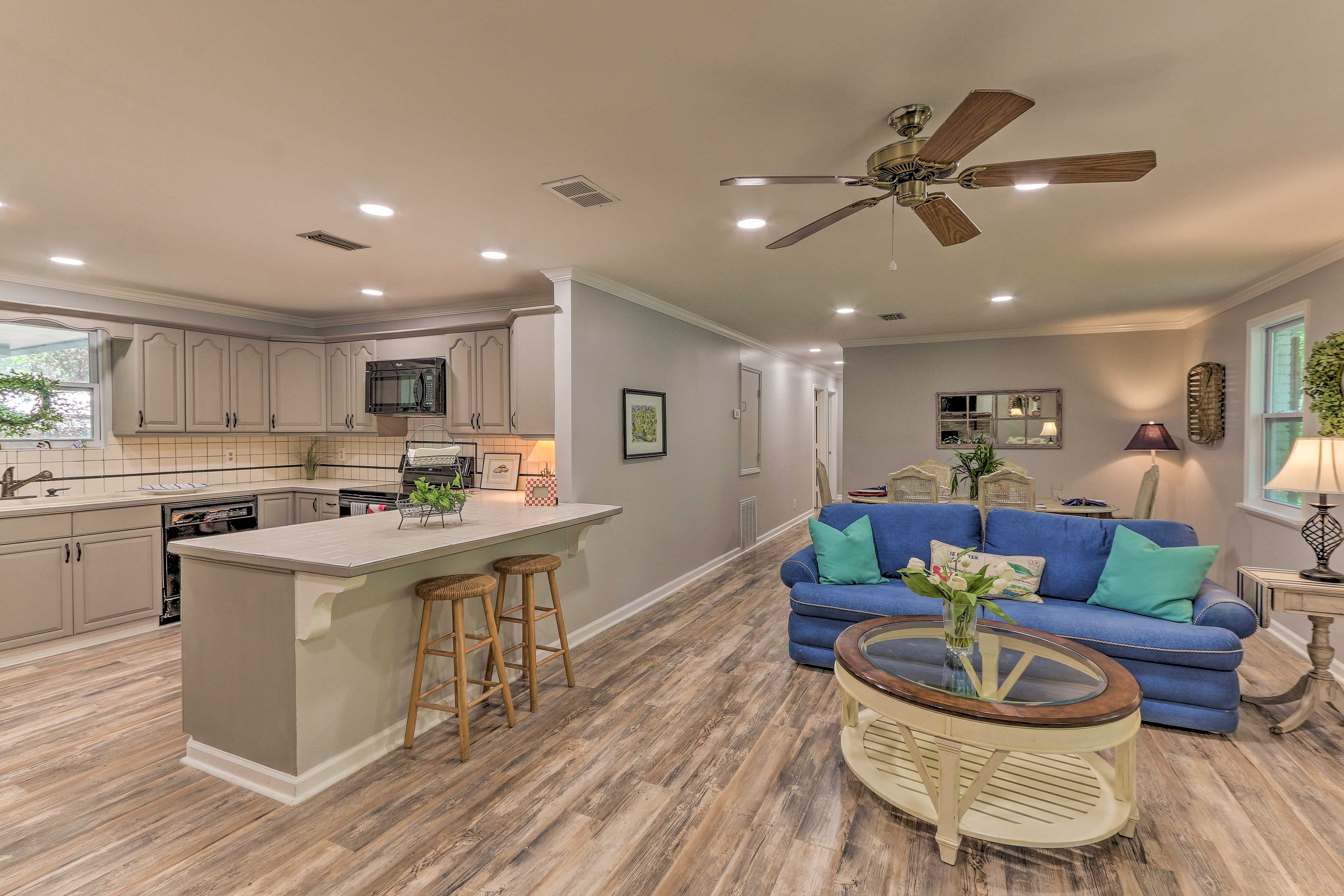 An open floor plan ensures nobody is left out of the conversation.
