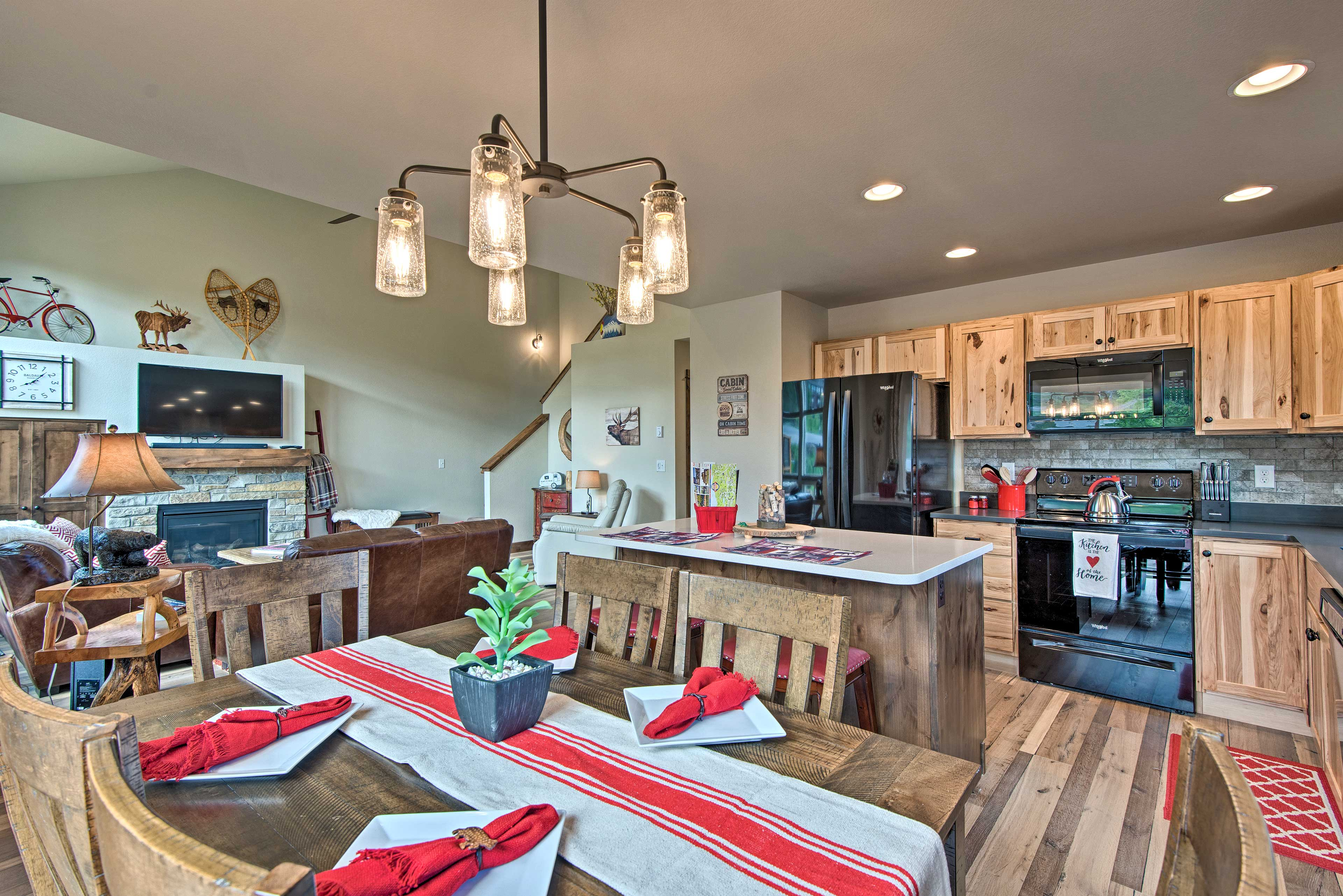 An open layout seamlessly connects the living and dining space.