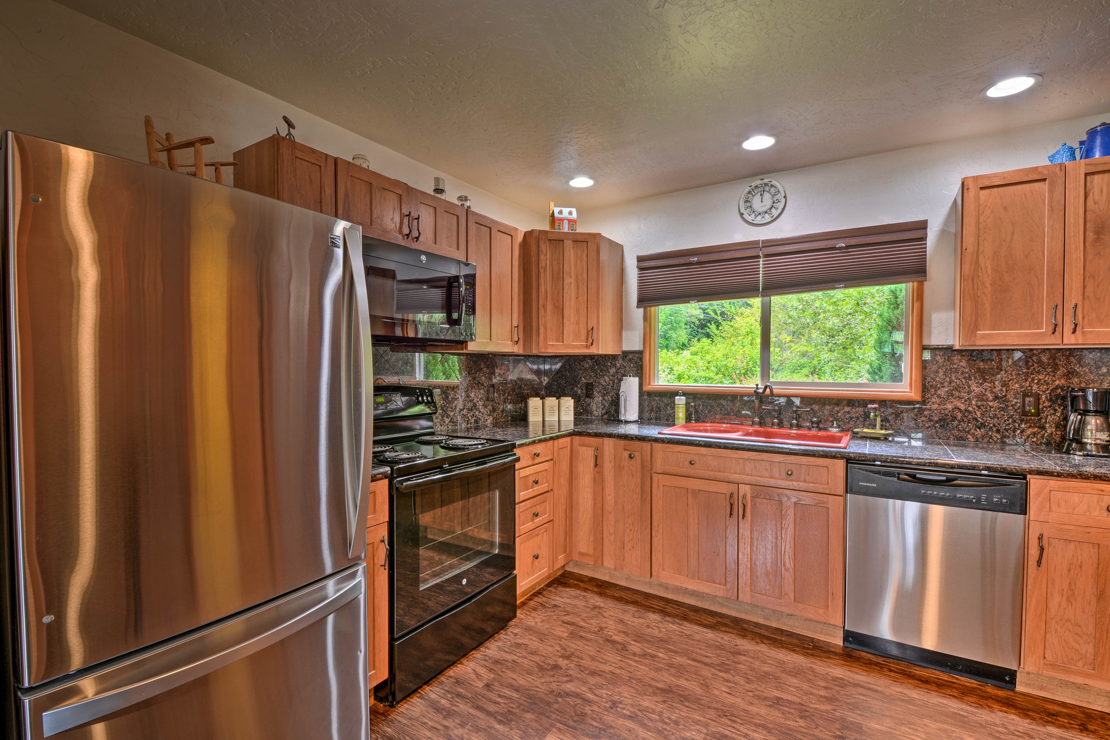 Prepare tasty homemade meals in the fully equipped kitchen.