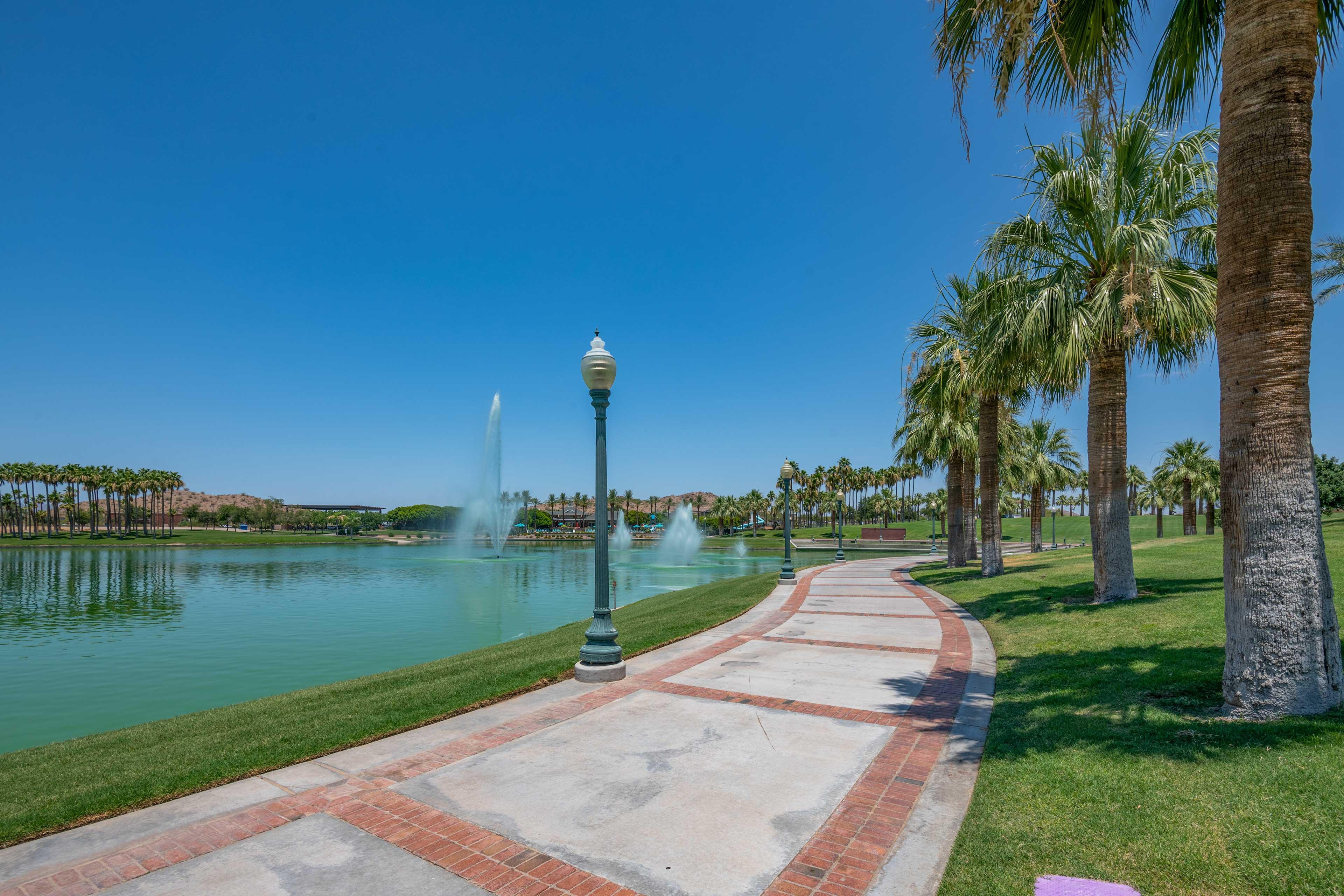 This resort neighborhood is endlessly luxurious!