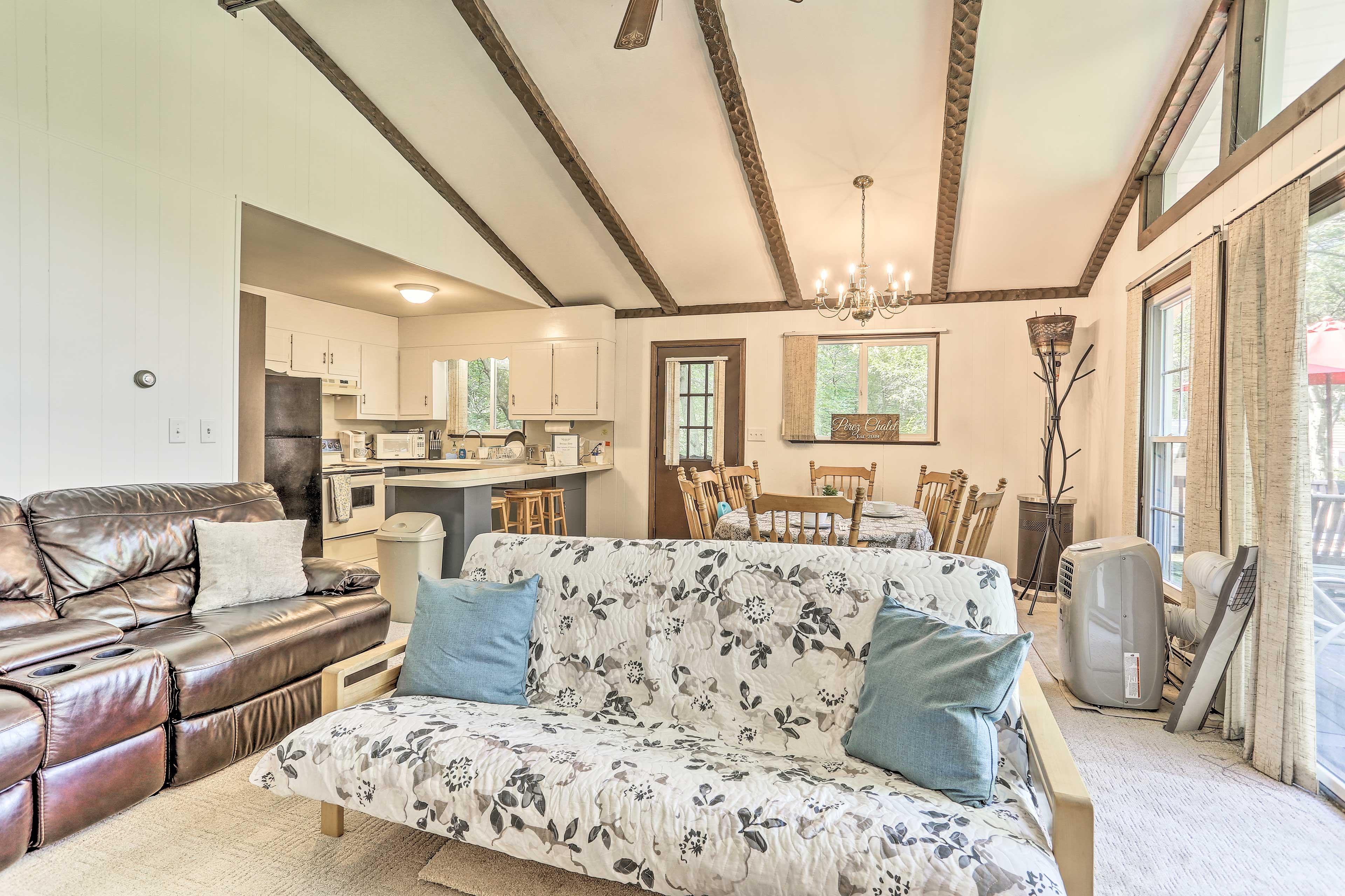 Living Room | Futon