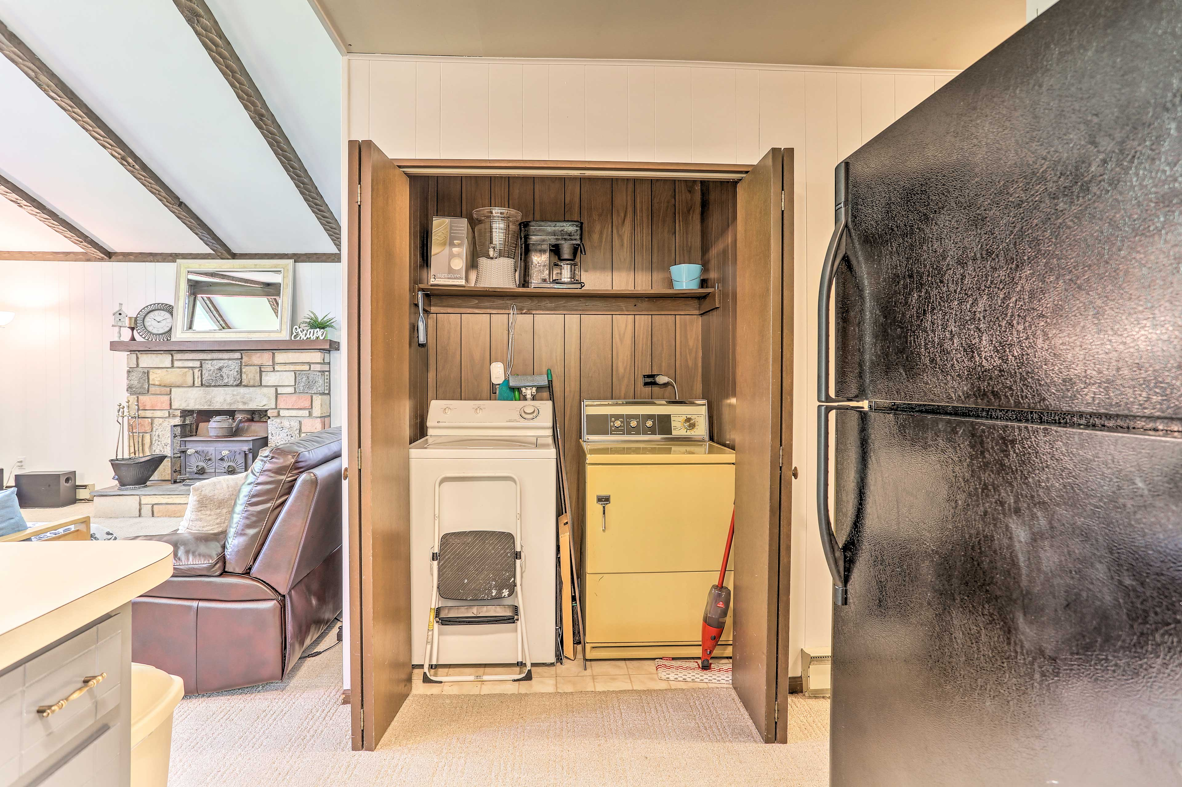Kitchen | Laundry Machines | Linens/Towels Provided