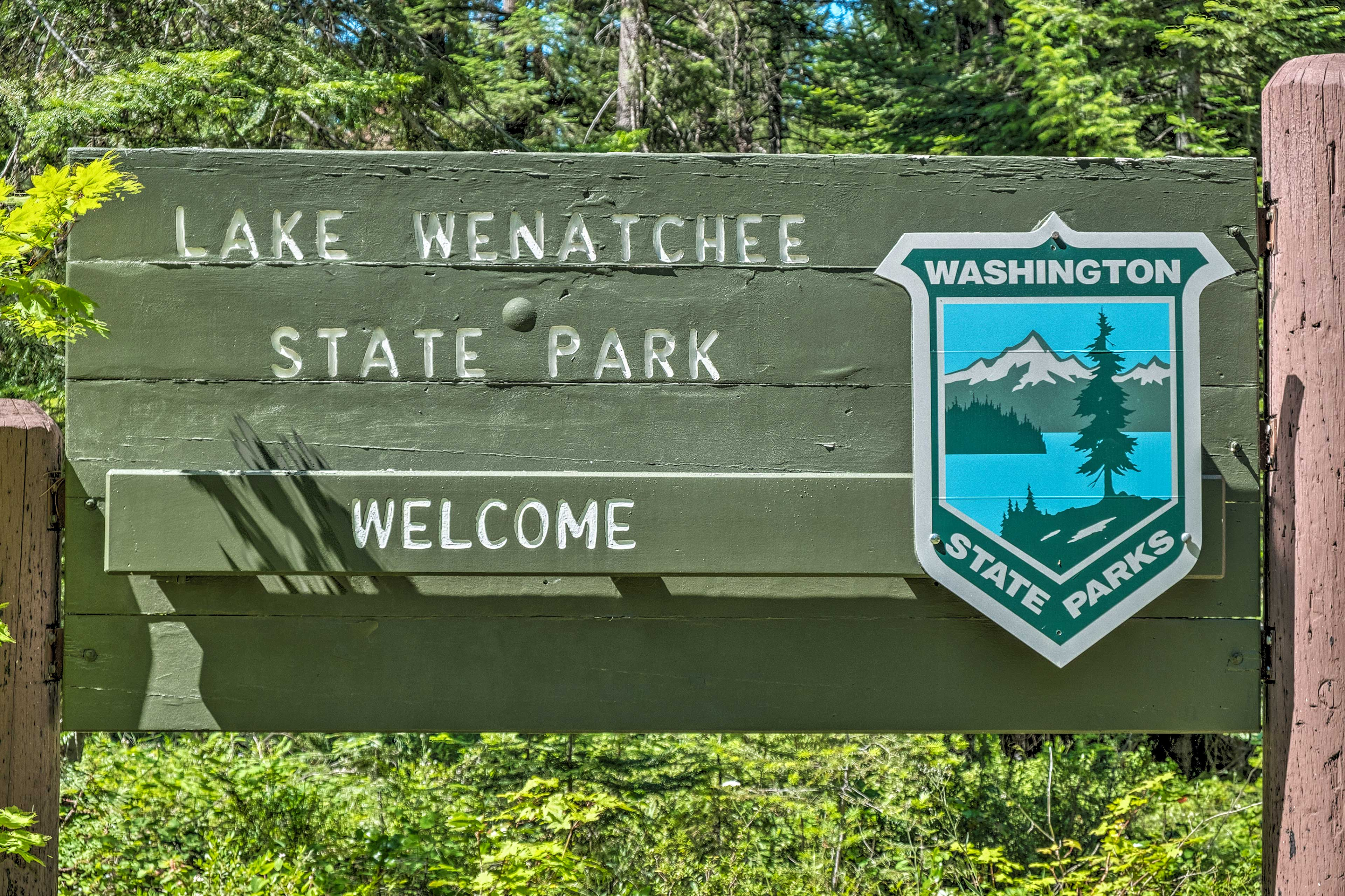 Easily access Lake Wenatchee 2 miles north!