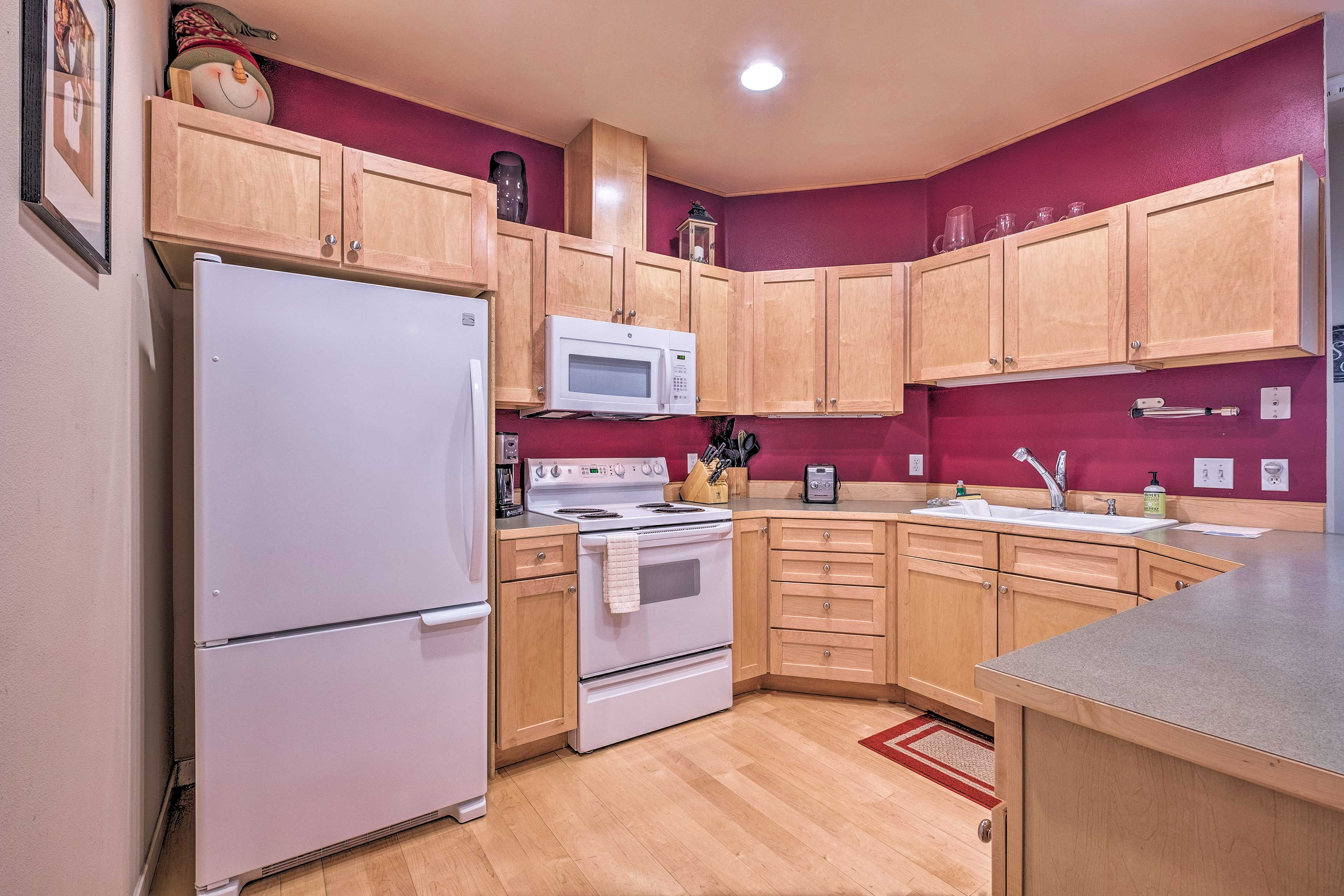 Utilize the fully equipped kitchen for home-style feasts!