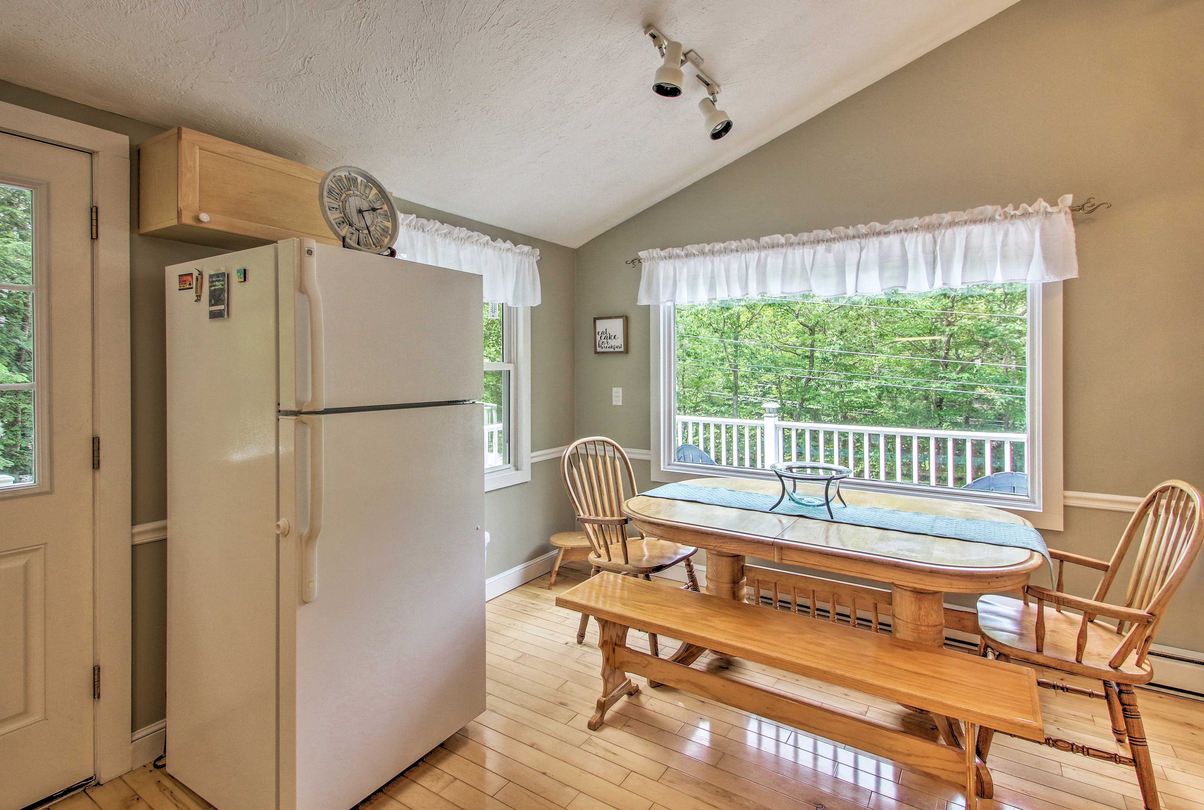 Enjoy breakfast at the dining table with bench seating.
