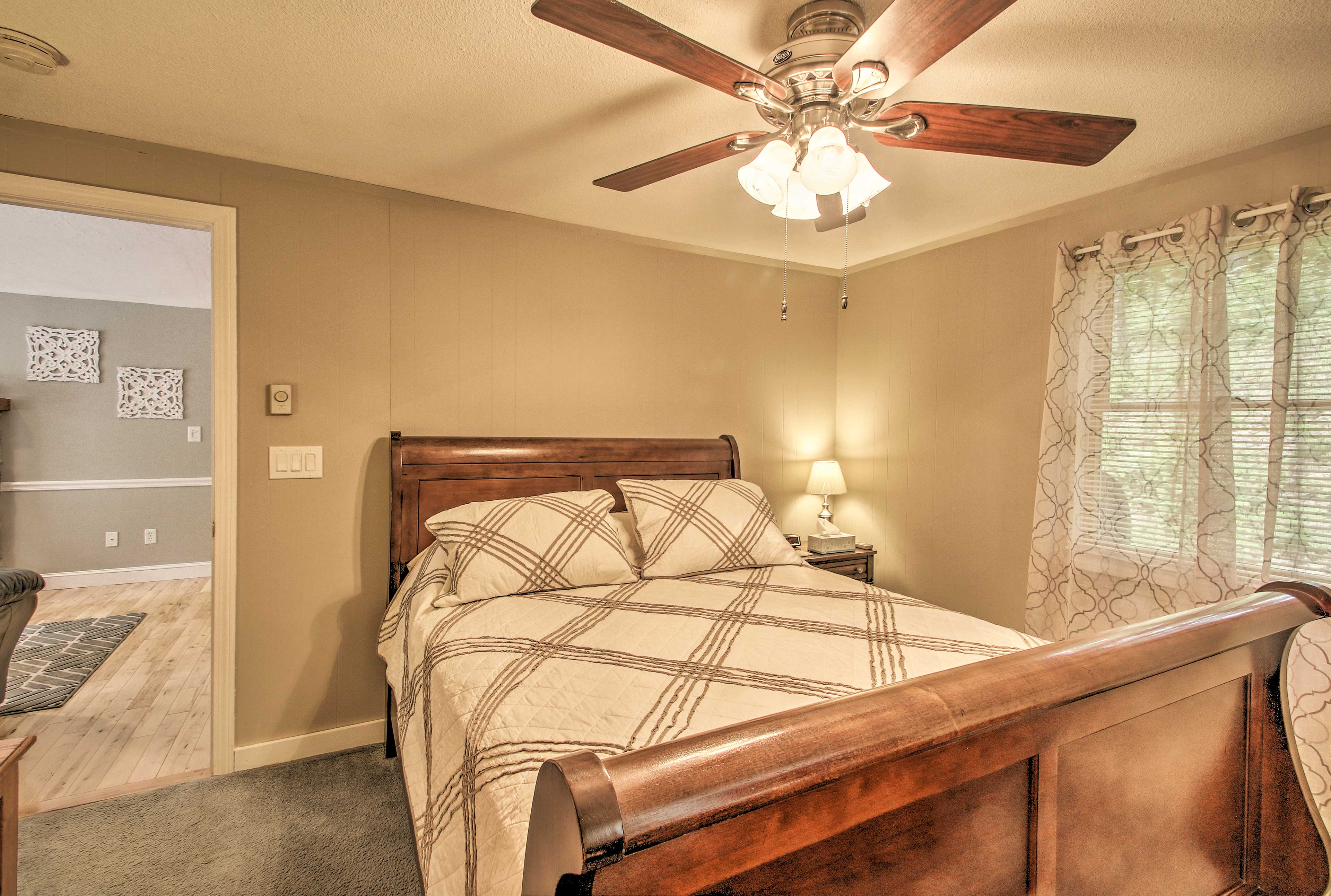 Keep cool with the ceiling fan.