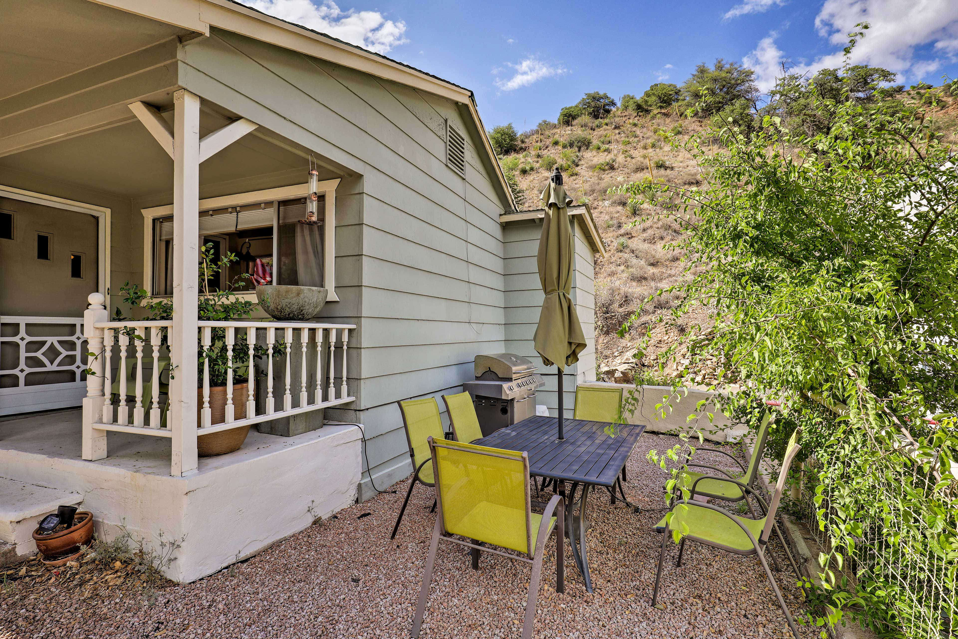 Enjoy the outdoor space of this Bisbee vacation rental house for 6.