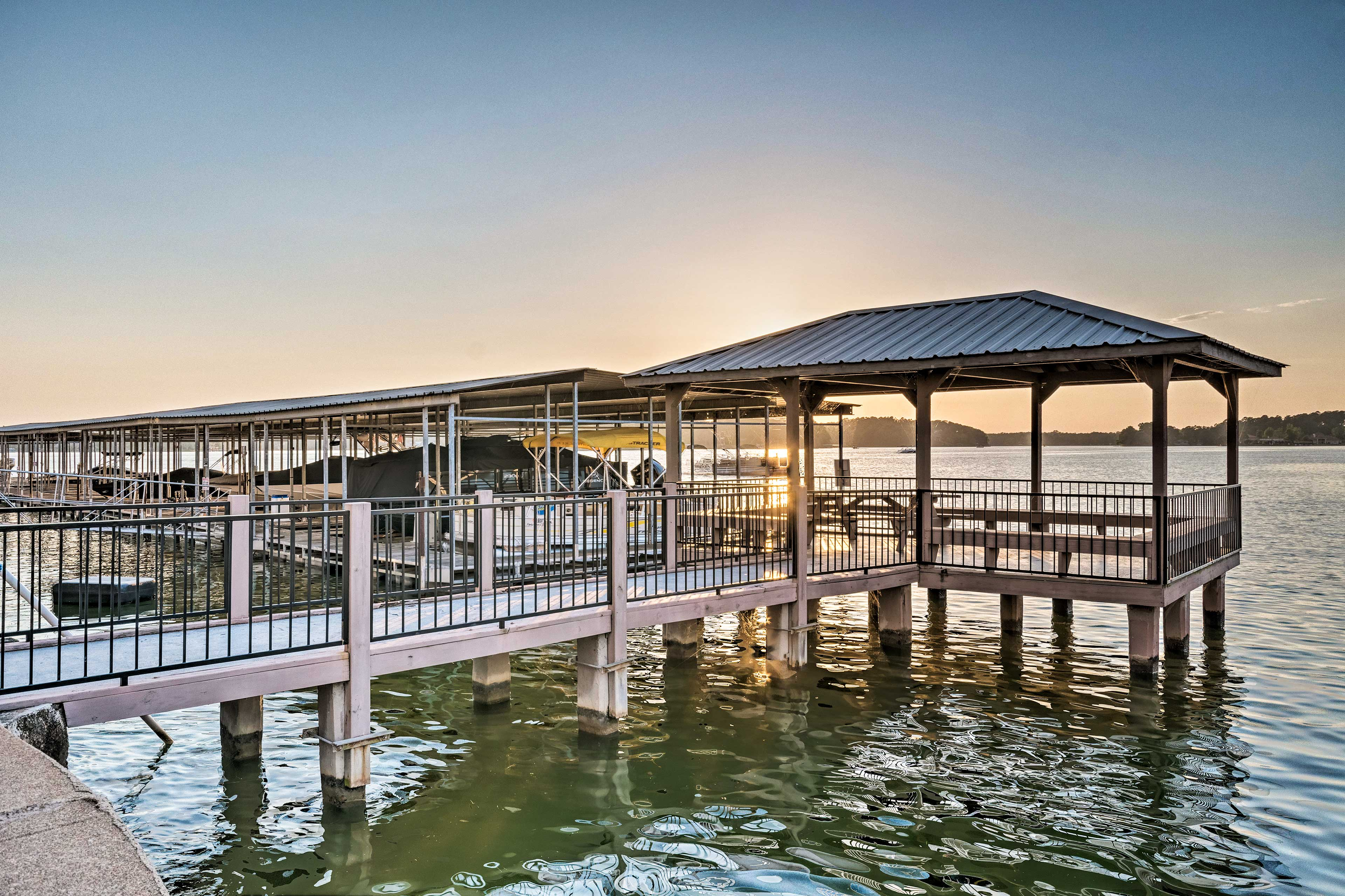 These lakefront vistas will not disappoint!