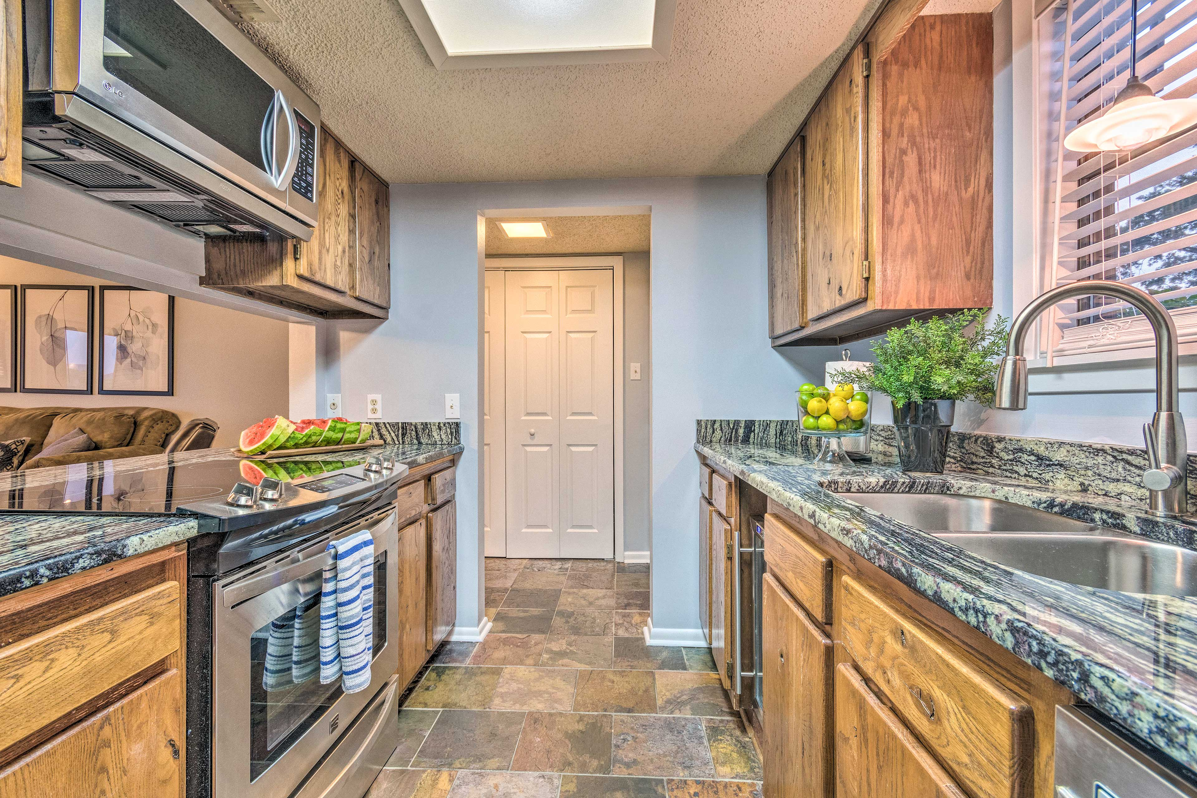 Fully equipped, the kitchen has everything you need to prepare family favorites.