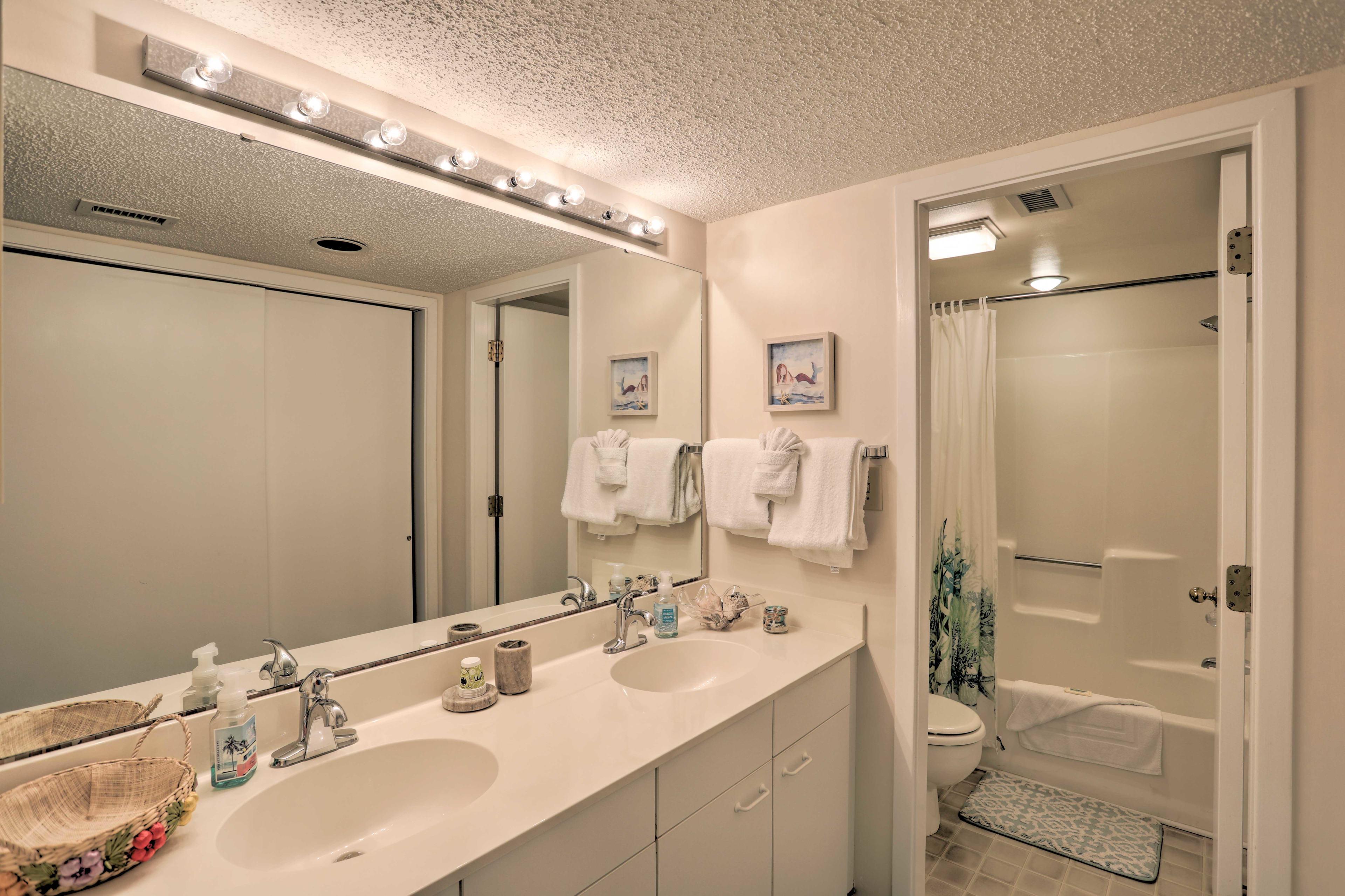 Bathroom | Linens/Towels Provided