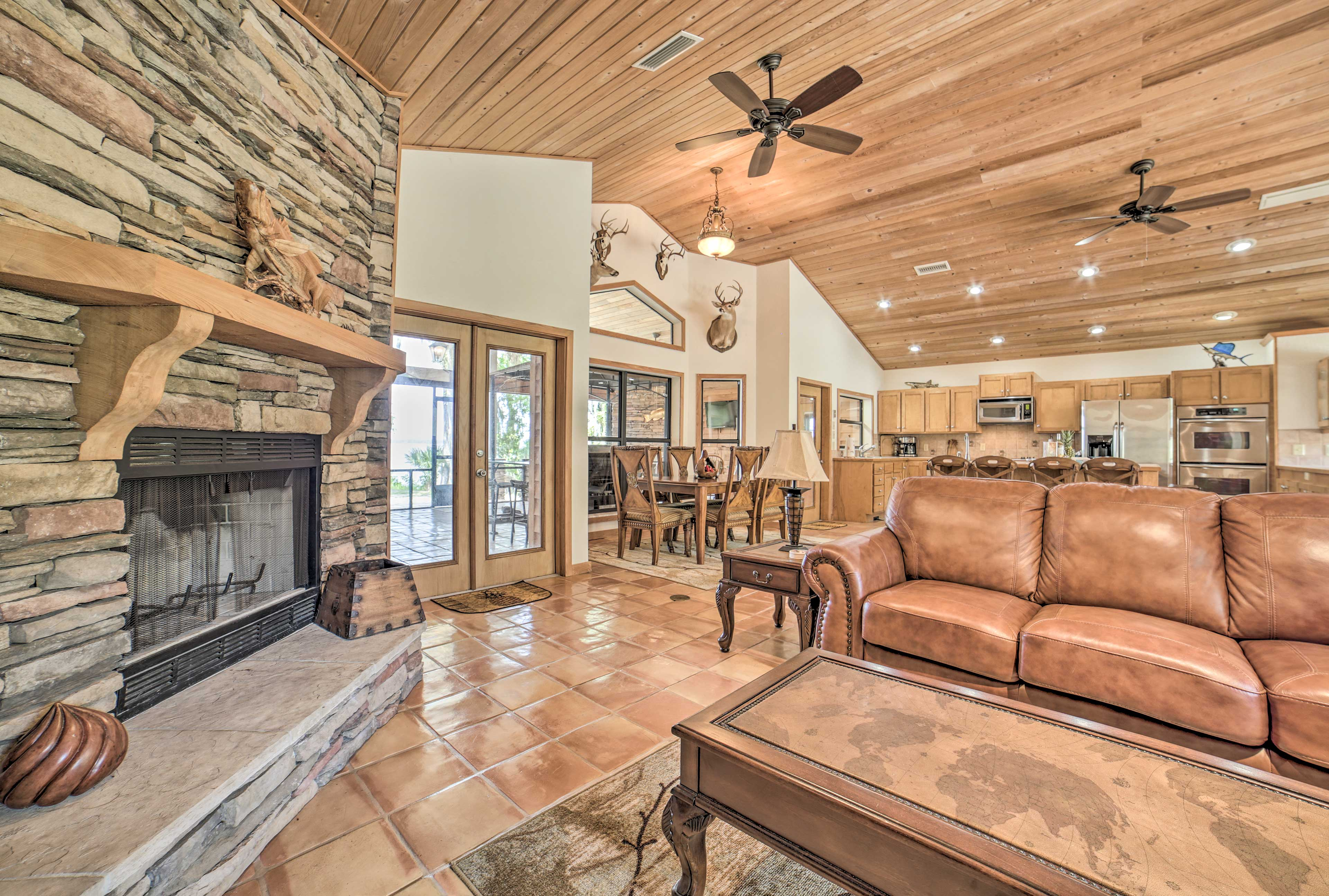 This living room also features a fireplace for chilly evenings.